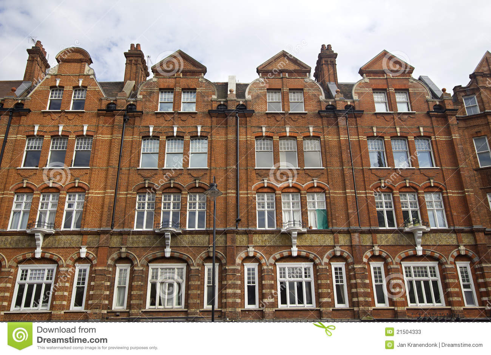 Kensington houses london stock photos image 21504333 for Knightsbridge homes