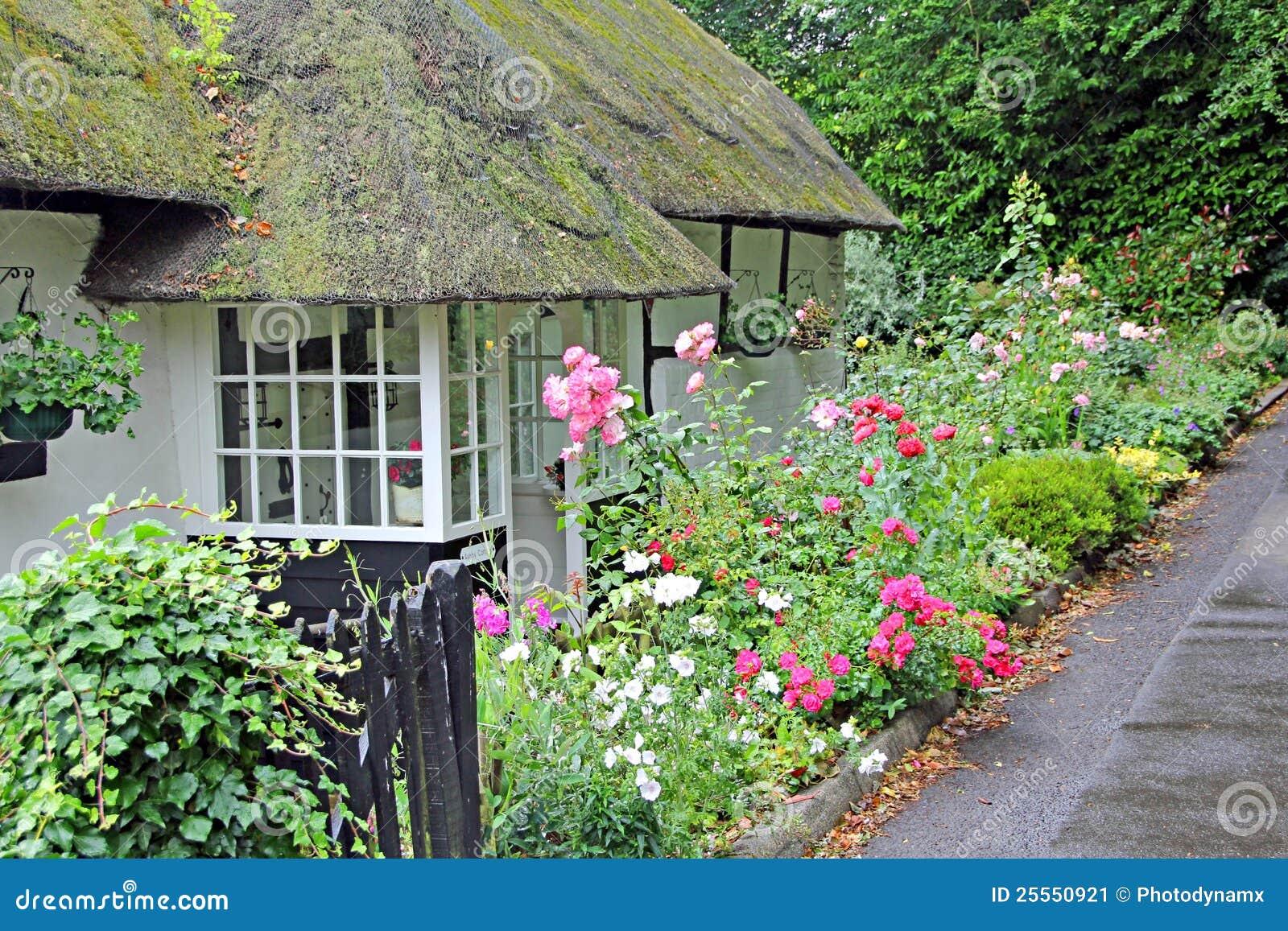 Kent thatched a casa de campo.