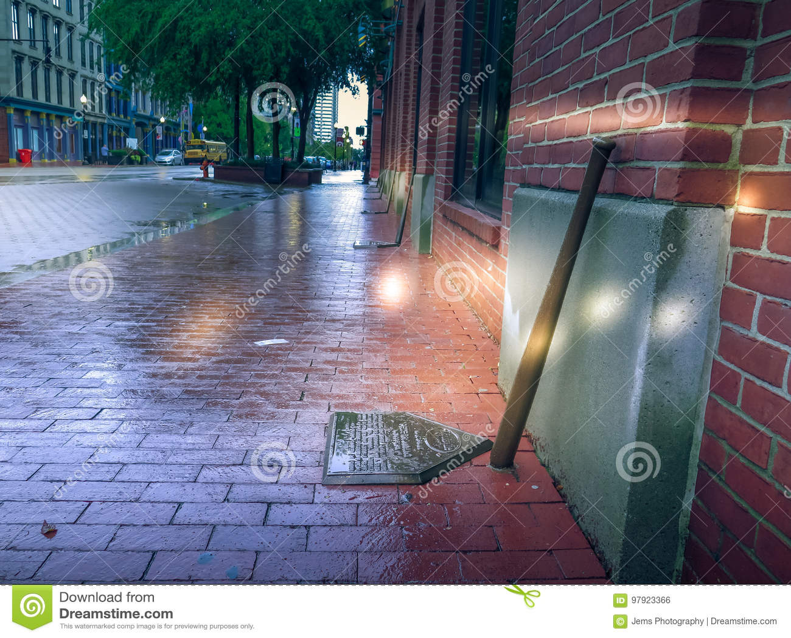 Kentucky för Louisville sluggermuseum trottoar