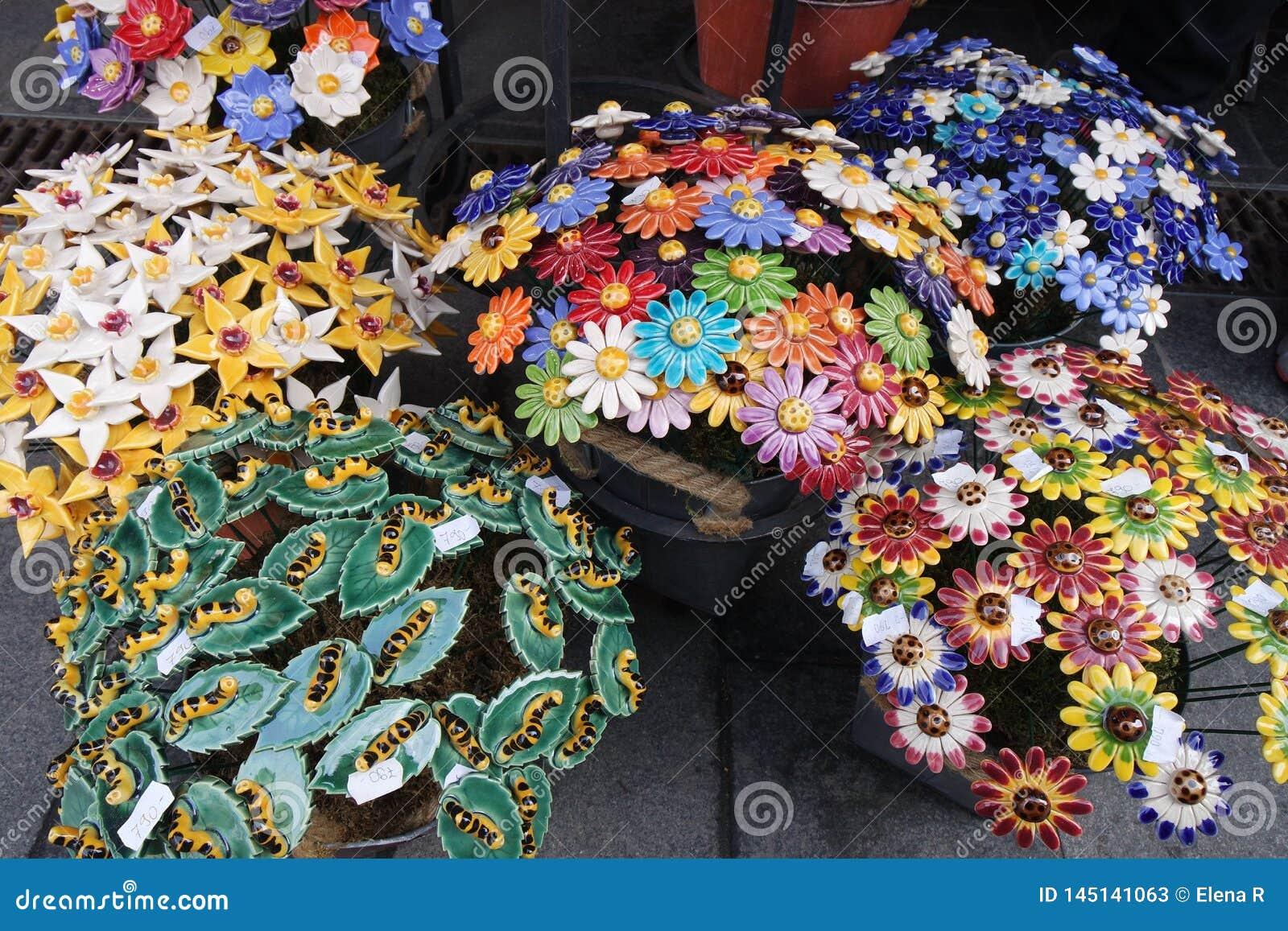 Keramische Blumenblumensträuße, Frühlingsfest