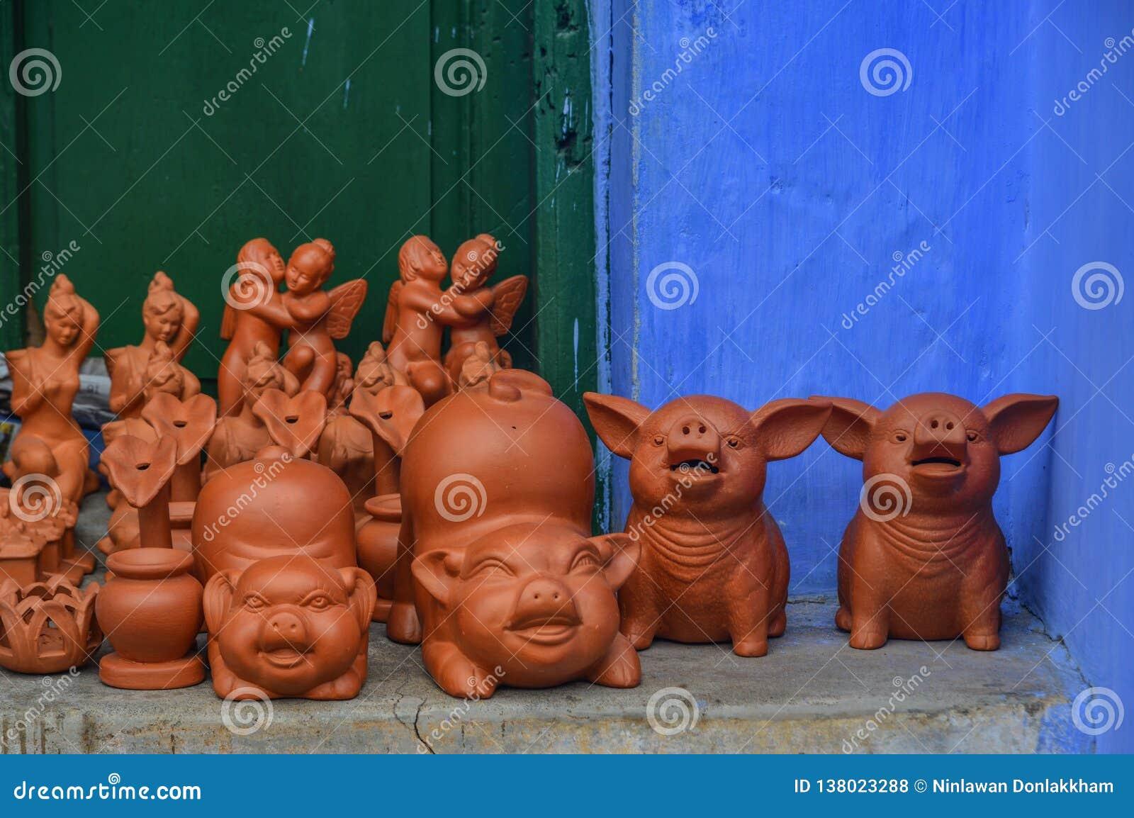 Keramisk svinleksaker på Hoi An Old Town, Vietnam