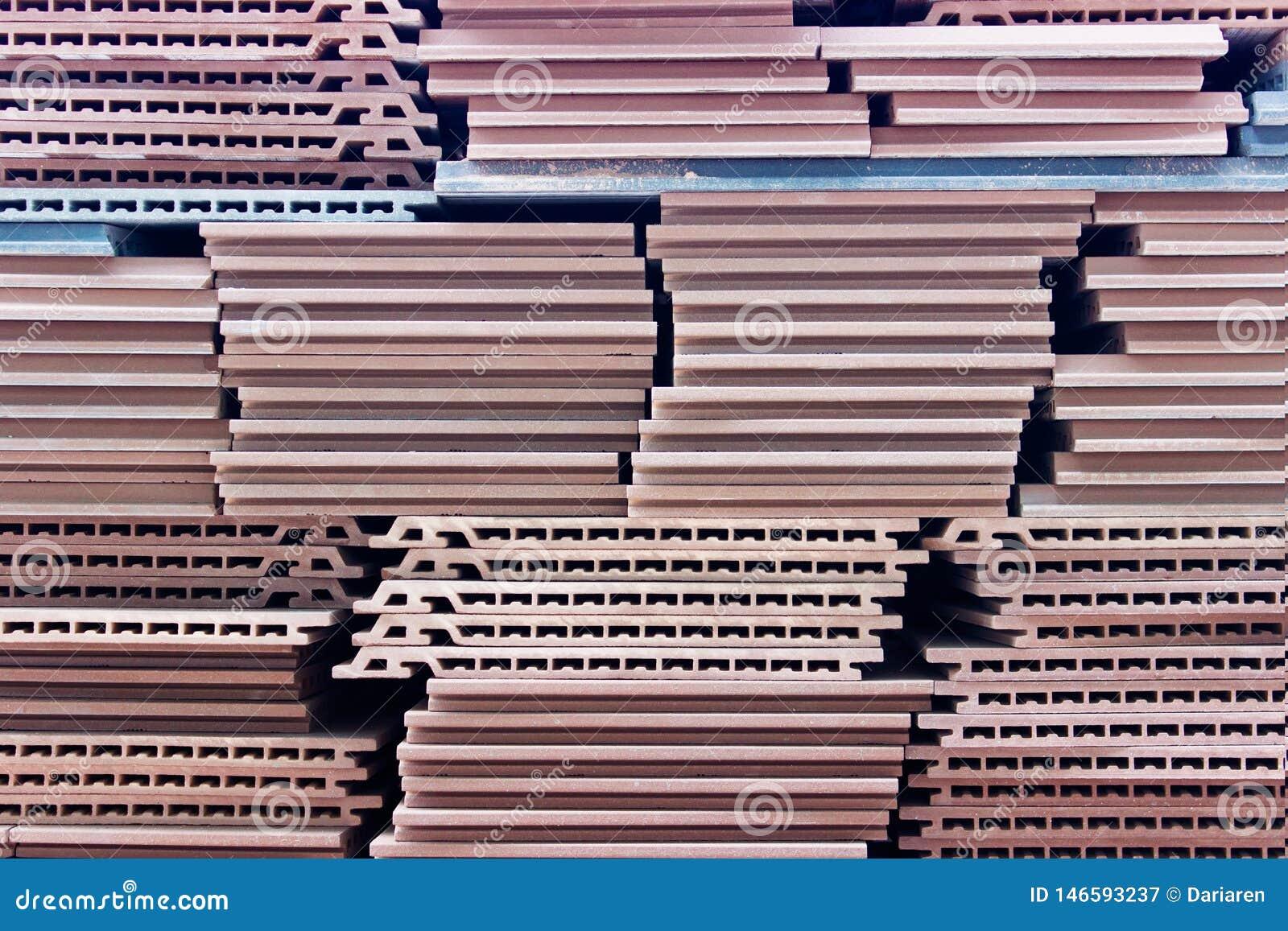 Keramiska konstruktionstegelplattor för röd yttersida