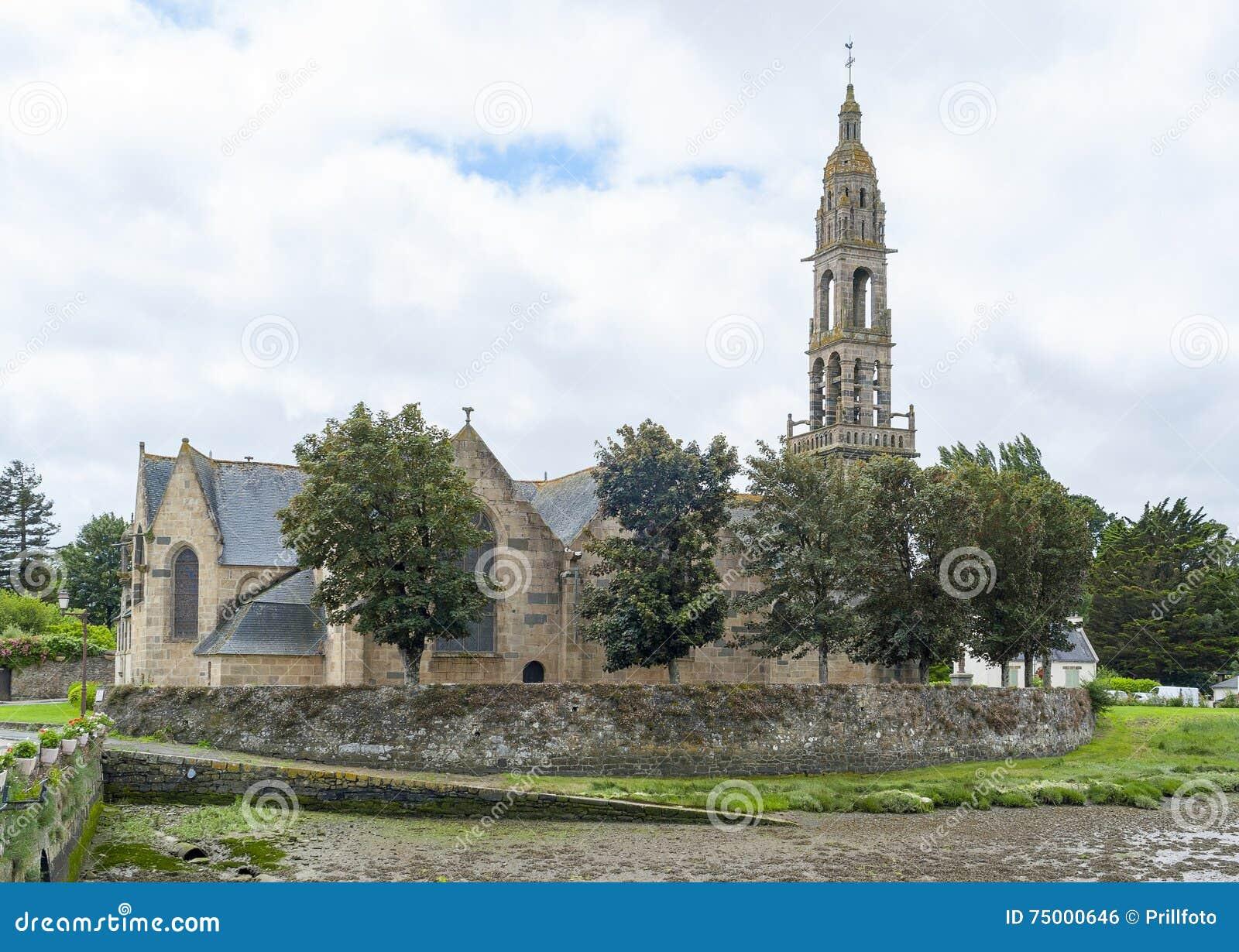 Kerk in Rumengol