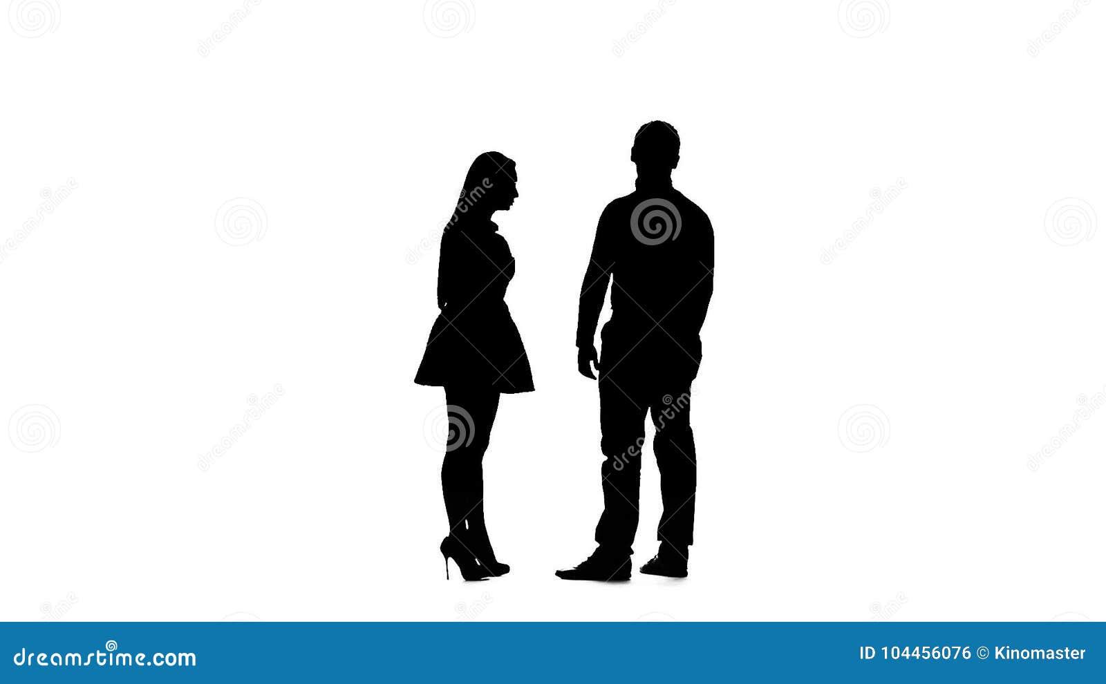 Weißer Kerl schlug sich für die Datierung schwarzen Mädchen