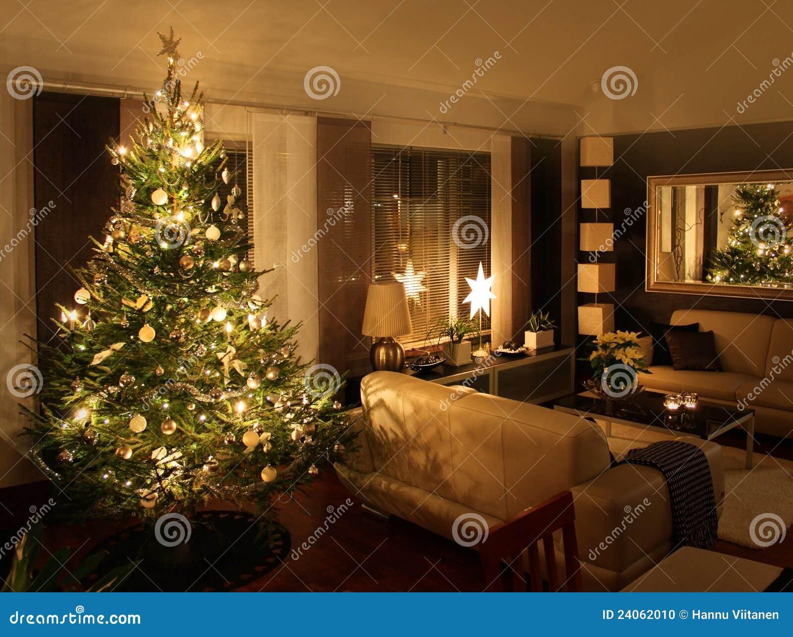 Kerstboom in moderne woonkamer stock foto afbeelding 24062010 - Moderne woonkamer fotos ...