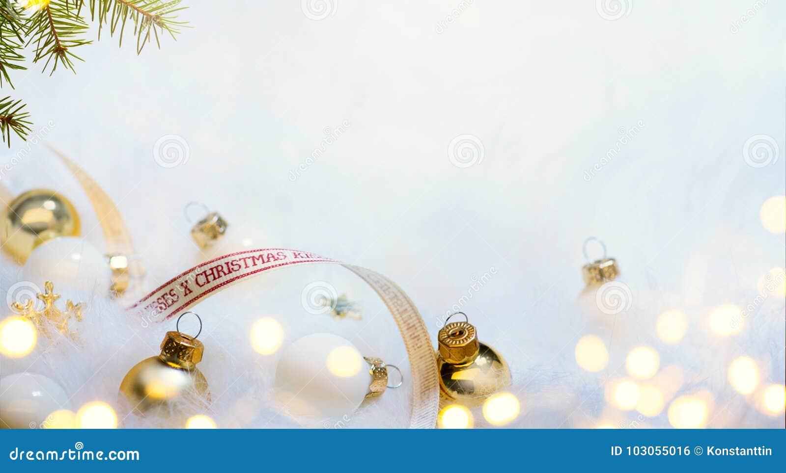 Kerstkaartachtergrond met Kerstboom en vakantiedecor