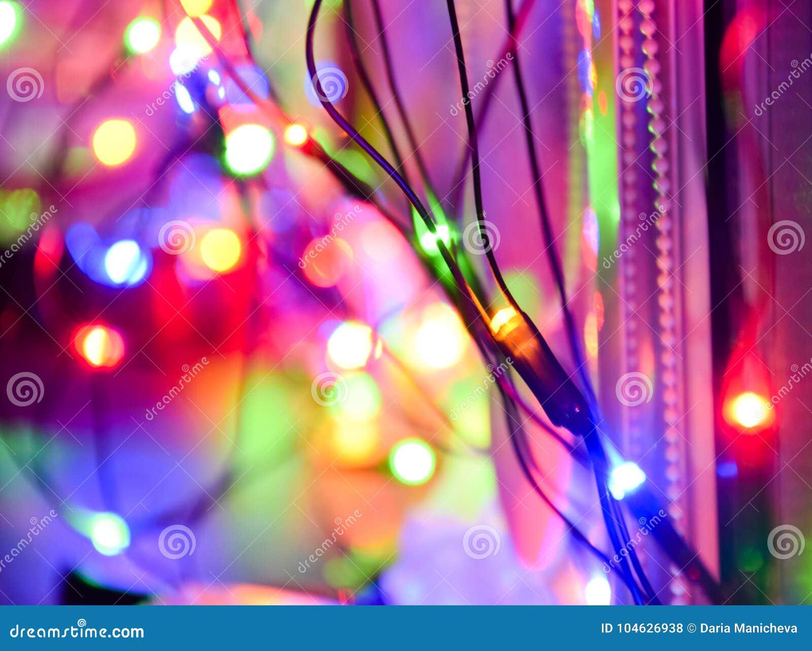 Download Kerstmis Lichte Decoratie Thuis Stock Foto - Afbeelding bestaande uit lichten, achtergrond: 104626938