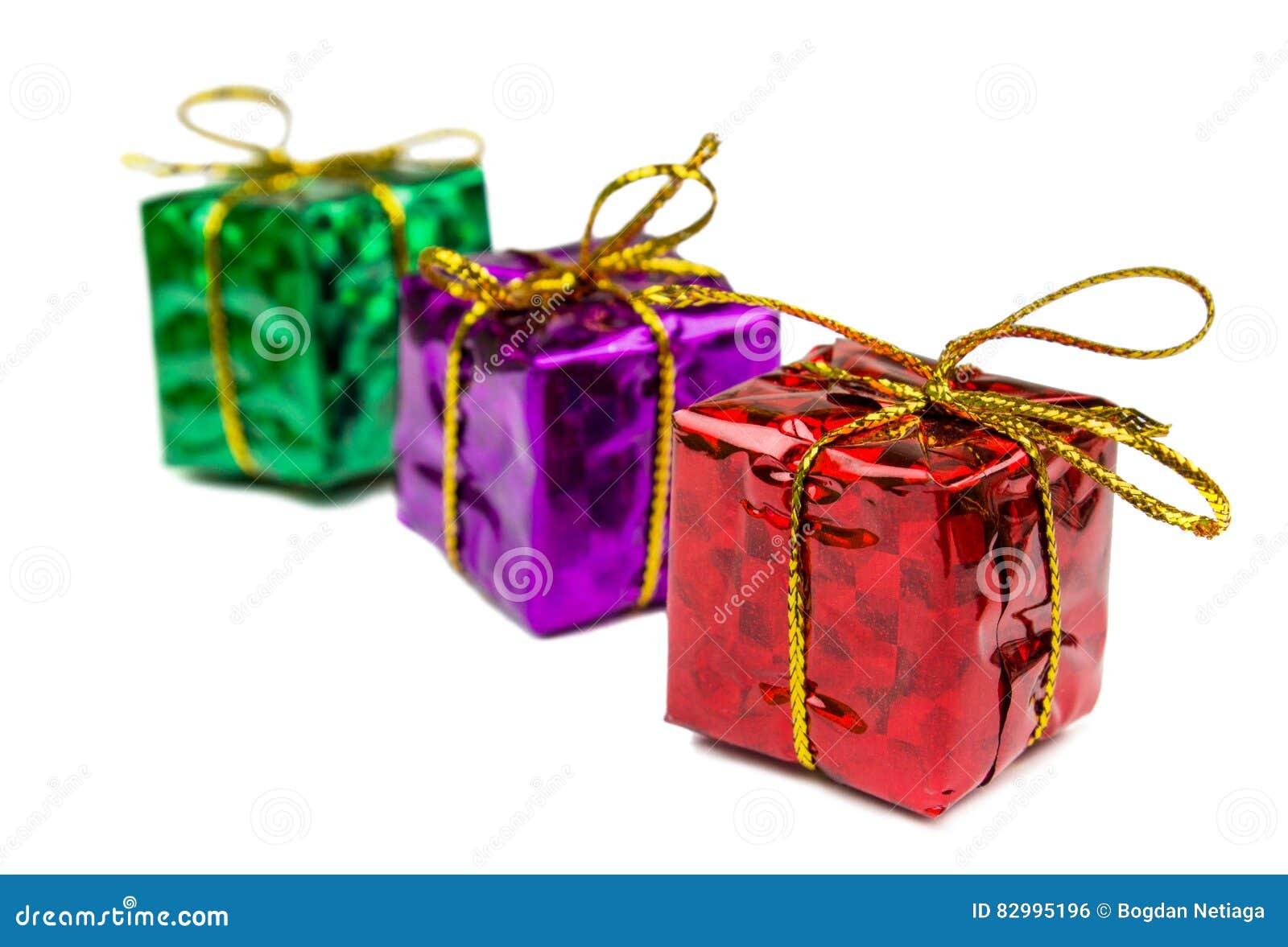 Kerstmis stelt en speelgoed dat op witte achtergrond wordt geïsoleerd voor