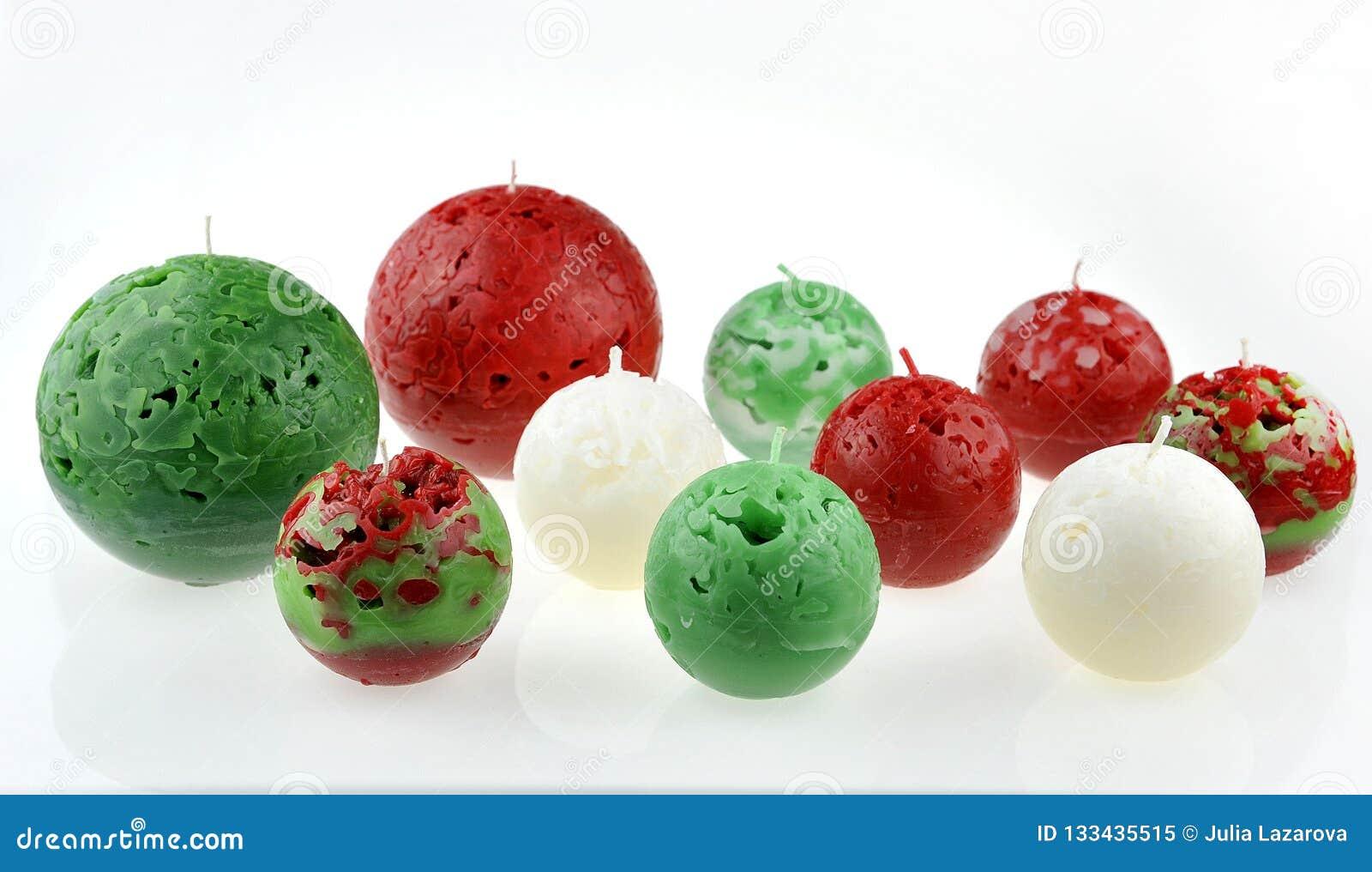 Kerstmisdecoratie met aromatische kaarsen