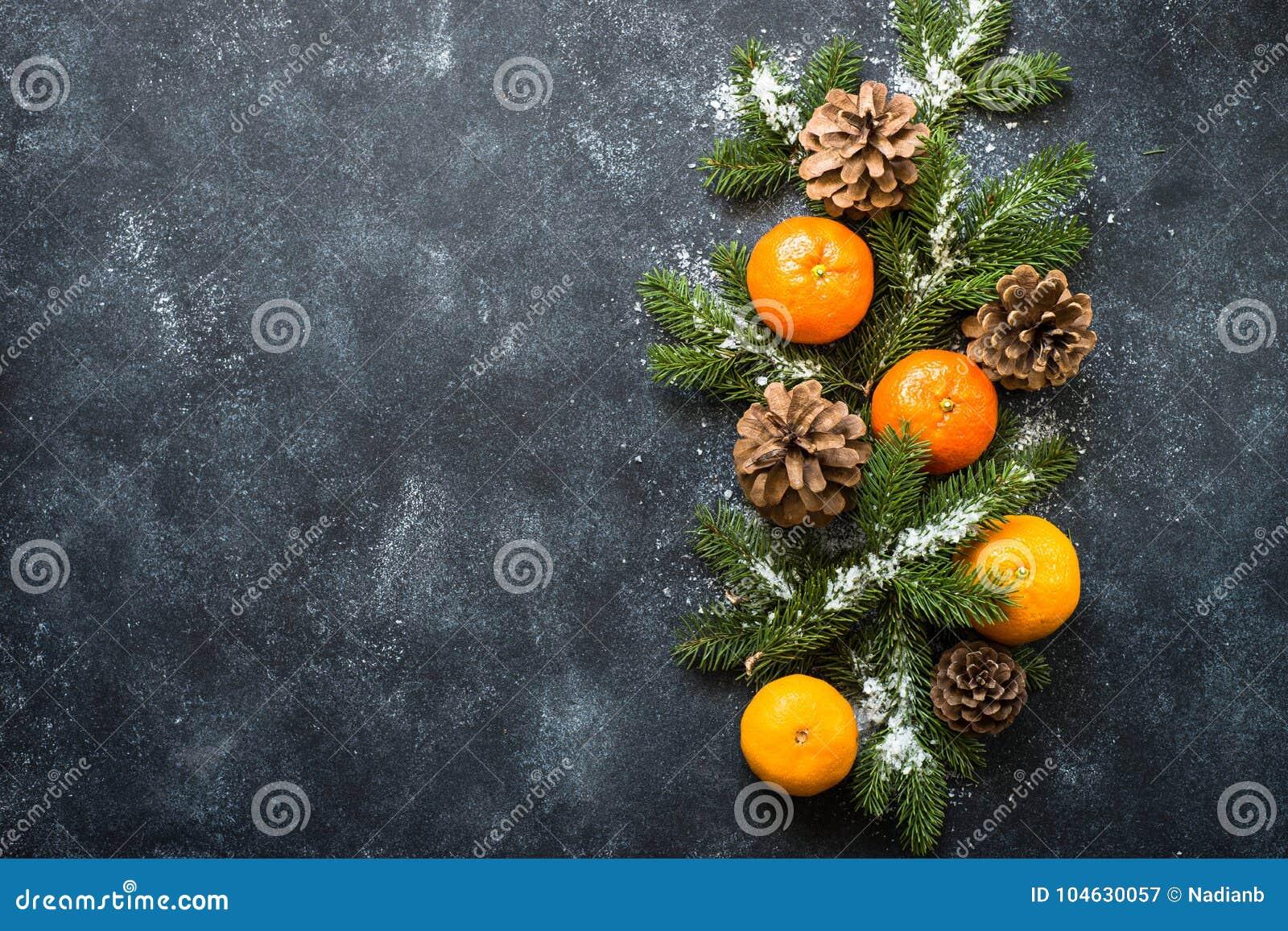 Download Kerstmiskruiden en noten stock afbeelding. Afbeelding bestaande uit nieuw - 104630057