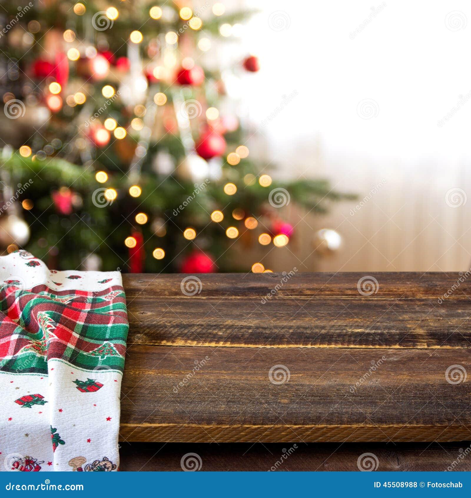 Kerstmislijst altijdgroene tak en bal