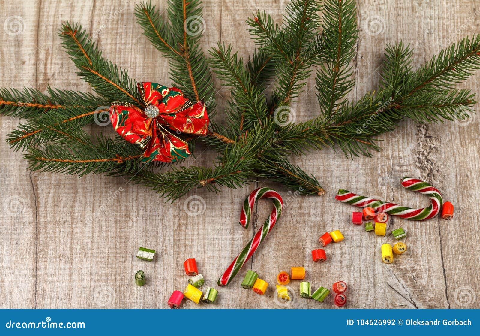 Download Kerstmissamenstelling Van Spartakken Stock Foto - Afbeelding bestaande uit spar, nieuw: 104626992