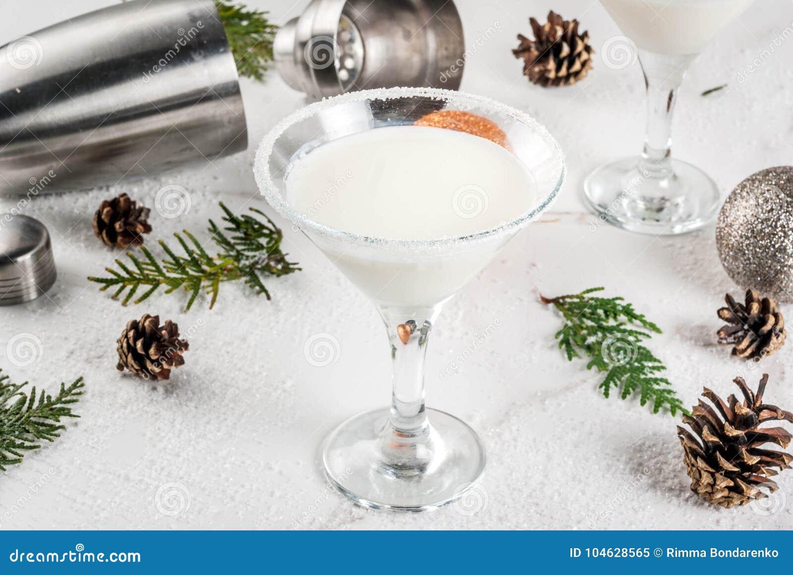 Download Kerstmissneeuwvlok Martini stock afbeelding. Afbeelding bestaande uit pijnboom - 104628565