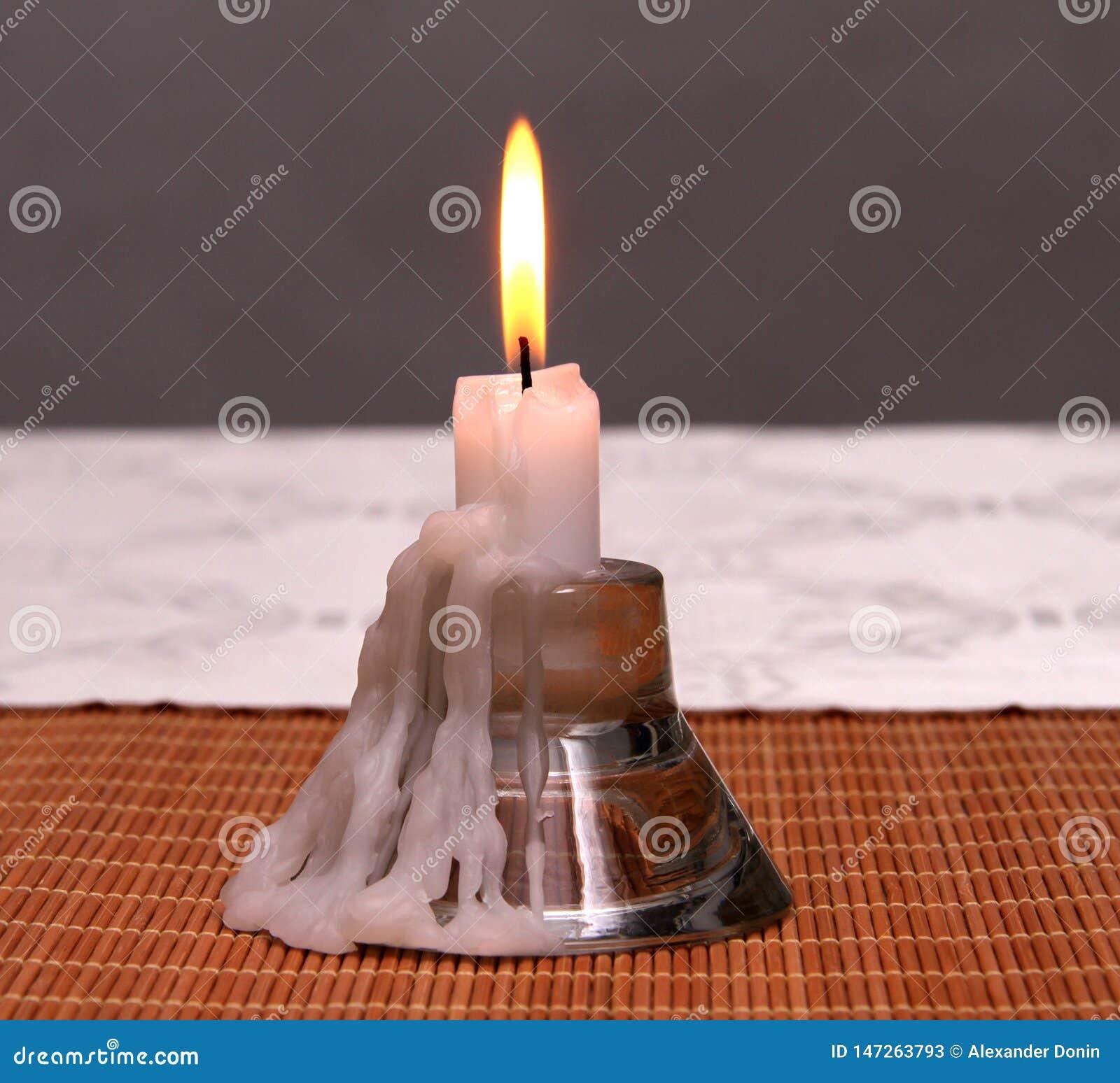 Kerzenständer für eine Kerze