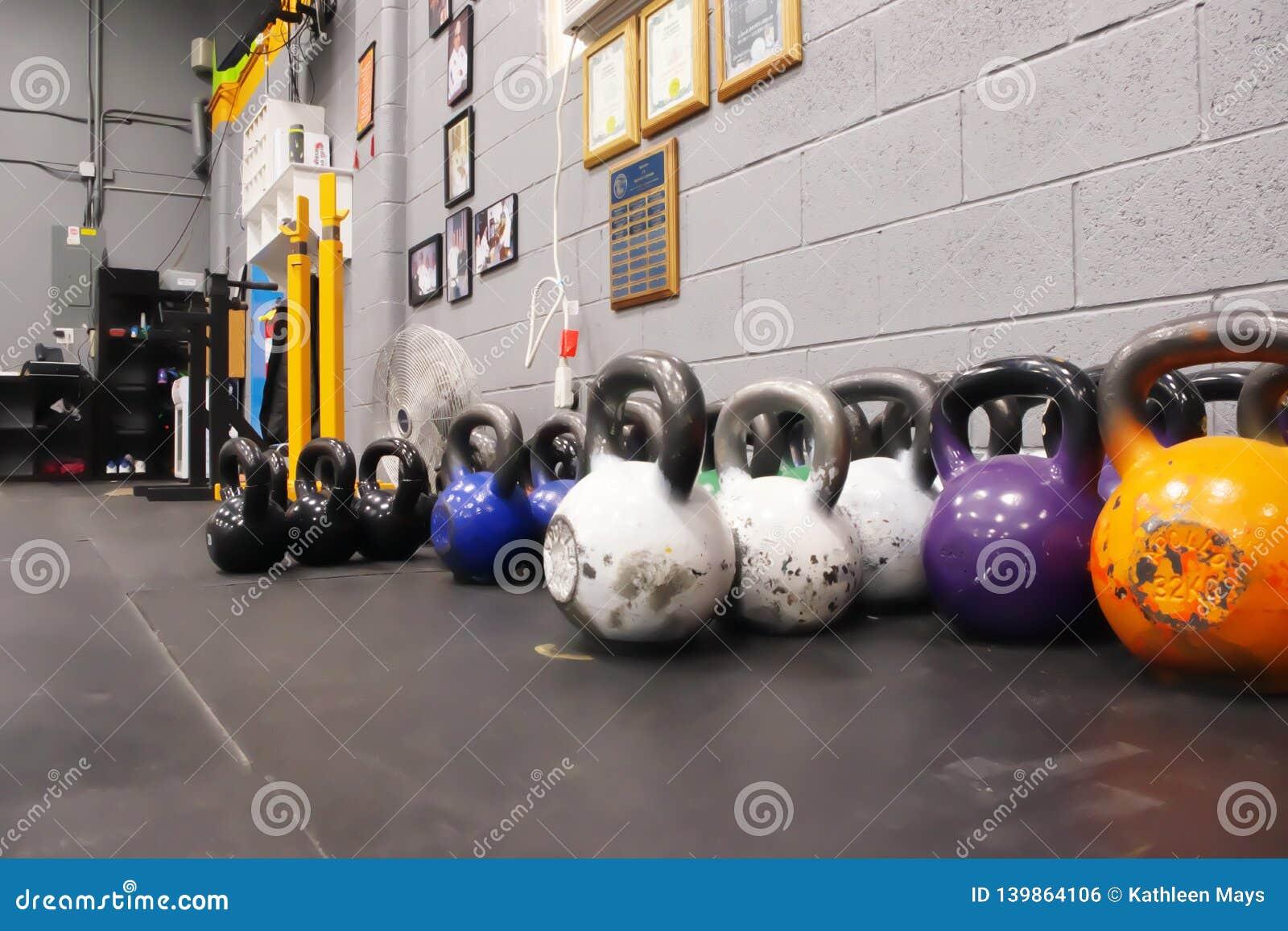 Kettlebells van Diverse Gewichten en Kleuren