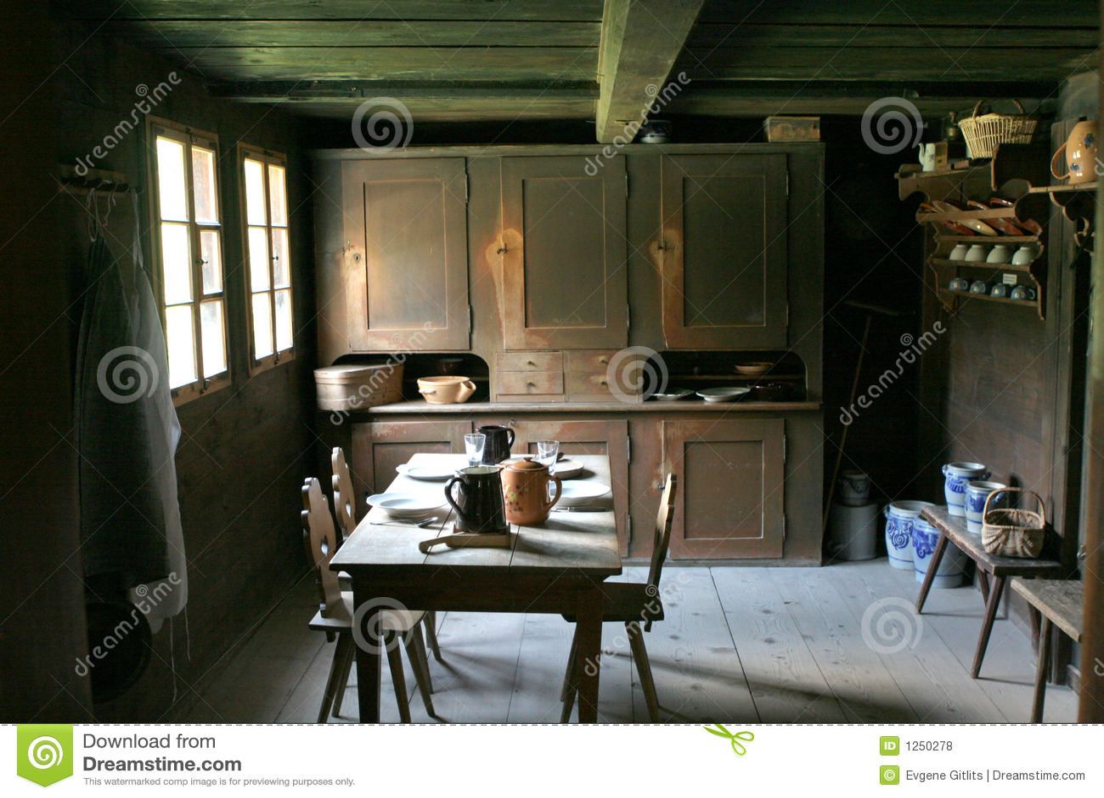 Keuken in de oude stijl royalty vrije stock foto 39 s afbeelding 1250278 - Oude stijl keuken wastafel ...