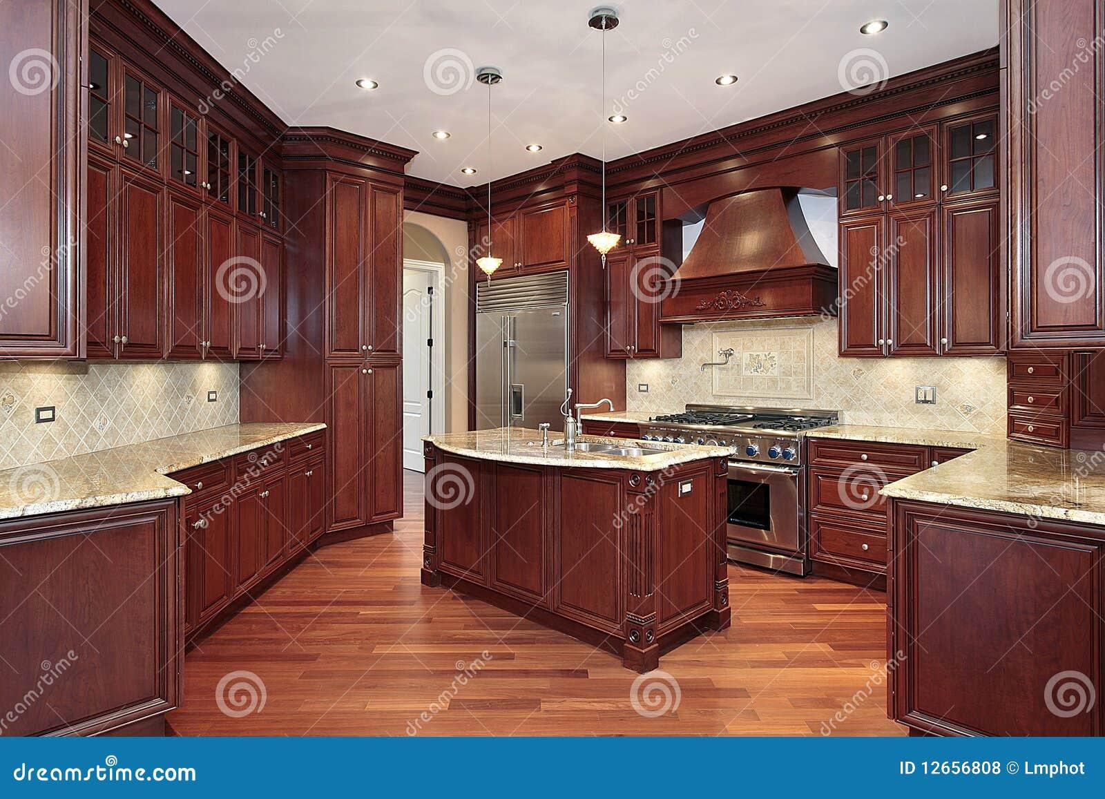 Keuken met cabinetry kersenhout royalty vrije stock foto 39 s afbeelding 12656808 - Keuken met teller ...