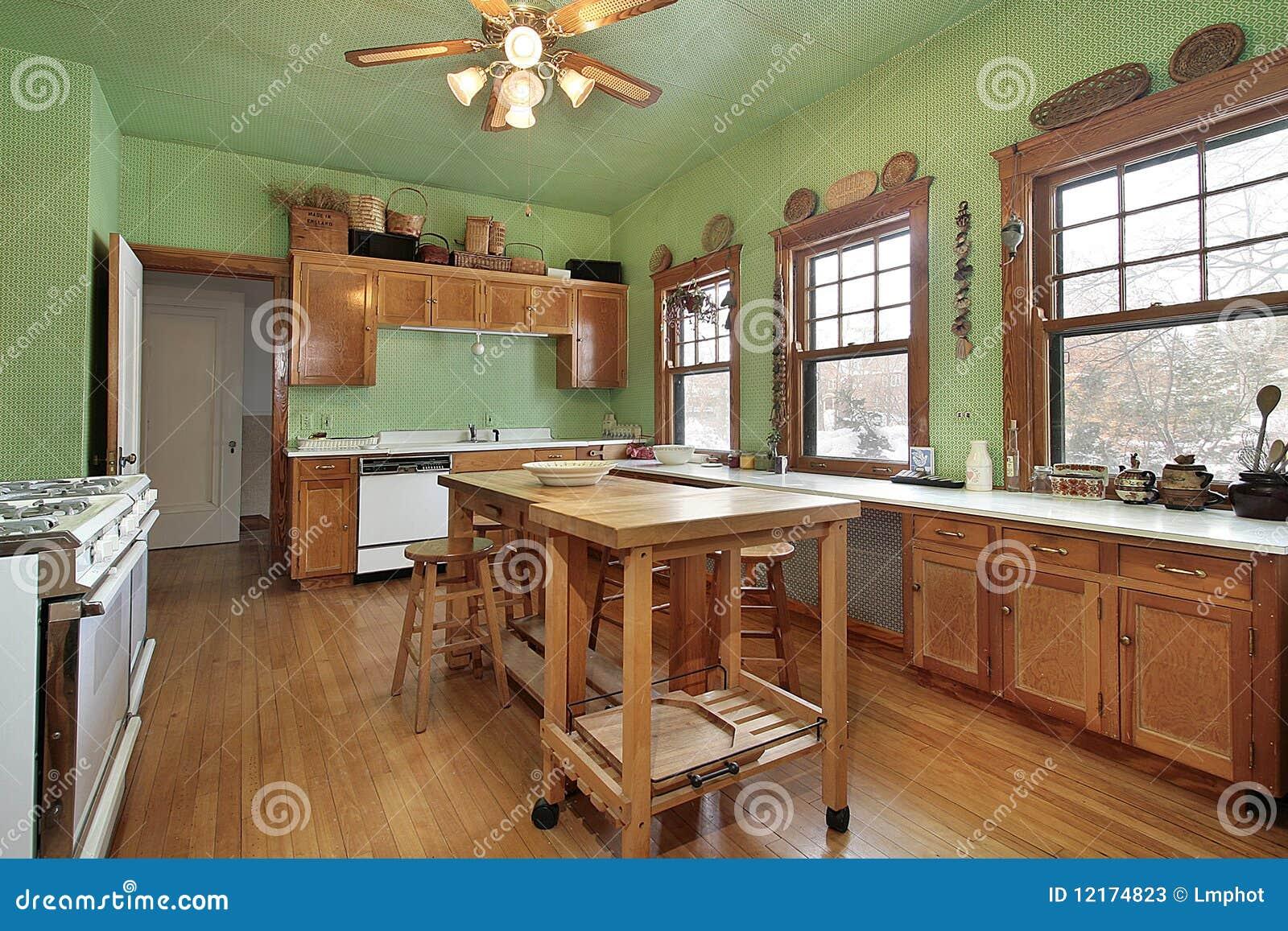 Keuken met groene muren stock afbeelding afbeelding bestaande uit graniet 12174823 - Keuken met teller ...