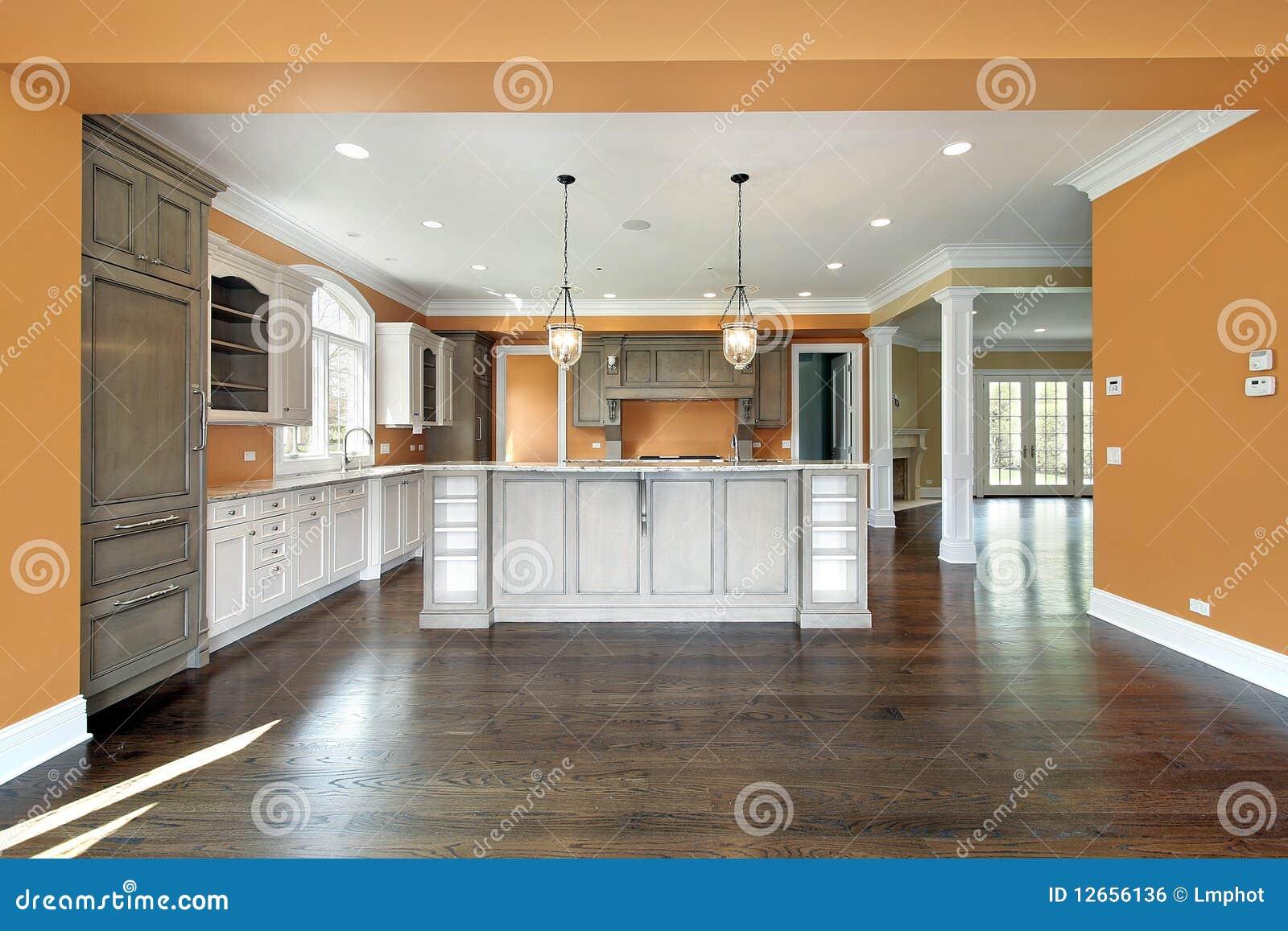 Keuken met oranje muren royalty vrije stock afbeelding ...