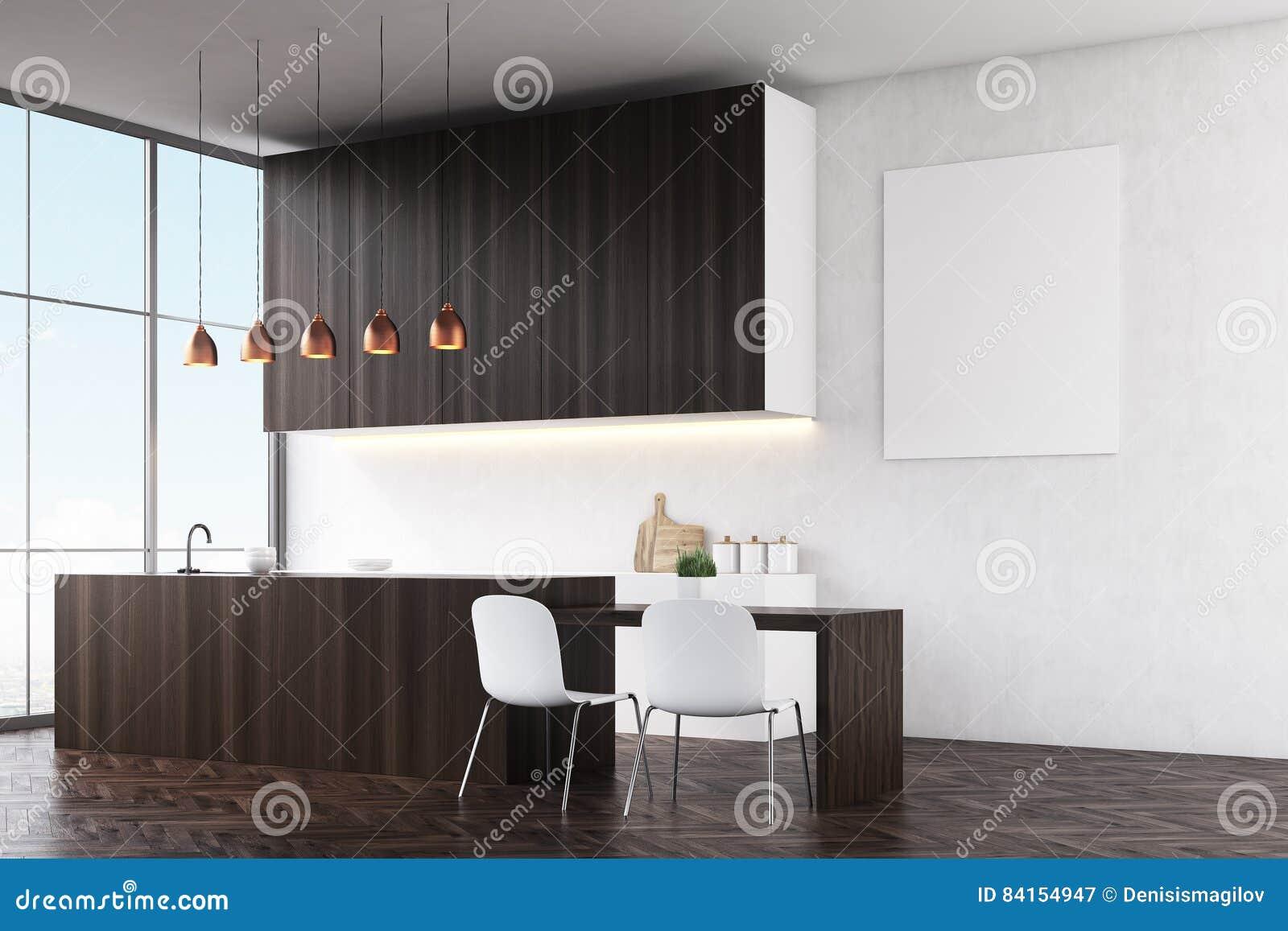 Grote Donkere Eettafel.Keuken Met Witte Muren Donkere Houten Tellers En Witte Stoelen