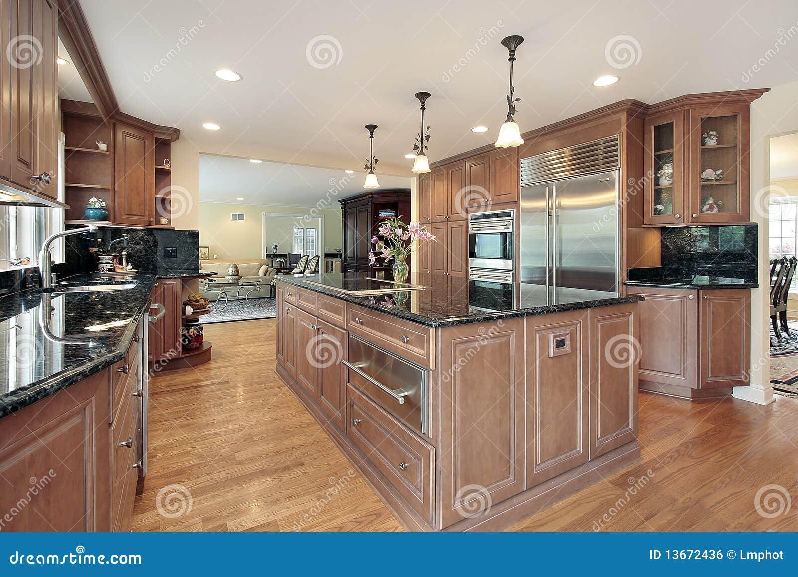 Marmer Zwart Keuken : Keuken met zwarte marmeren countertops stock foto afbeelding
