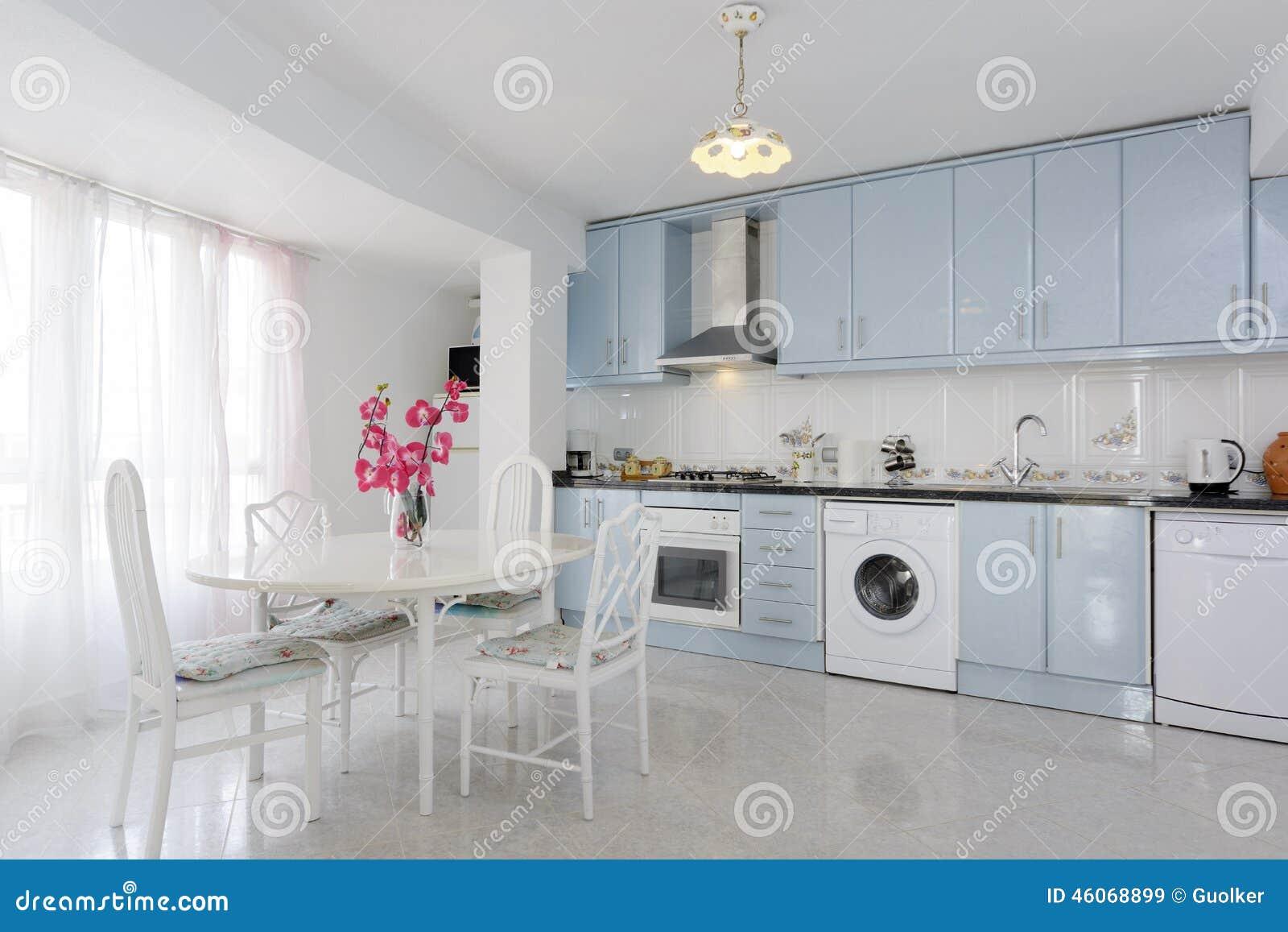 Blauwe Keuken Royalty-vrije Stock Afbeelding - Afbeelding: 2433196