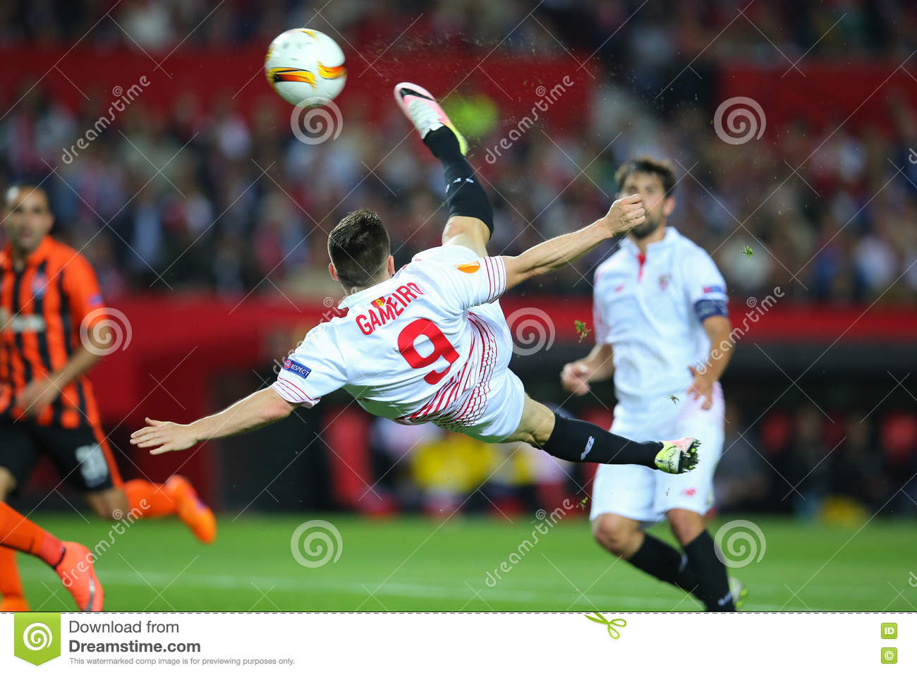 Kevin Gameiro overhead kick-shot