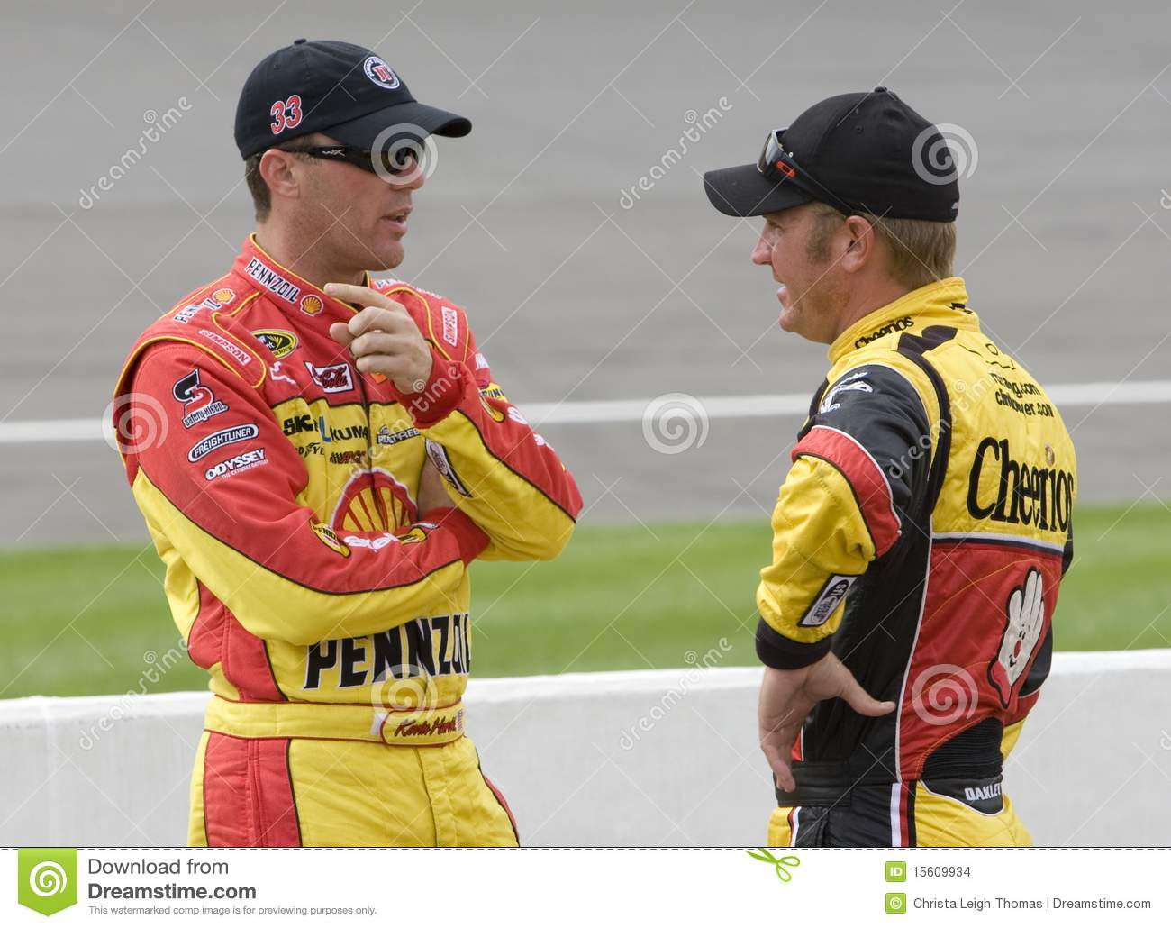 Kevin Harvick talks with Clint Bowyer