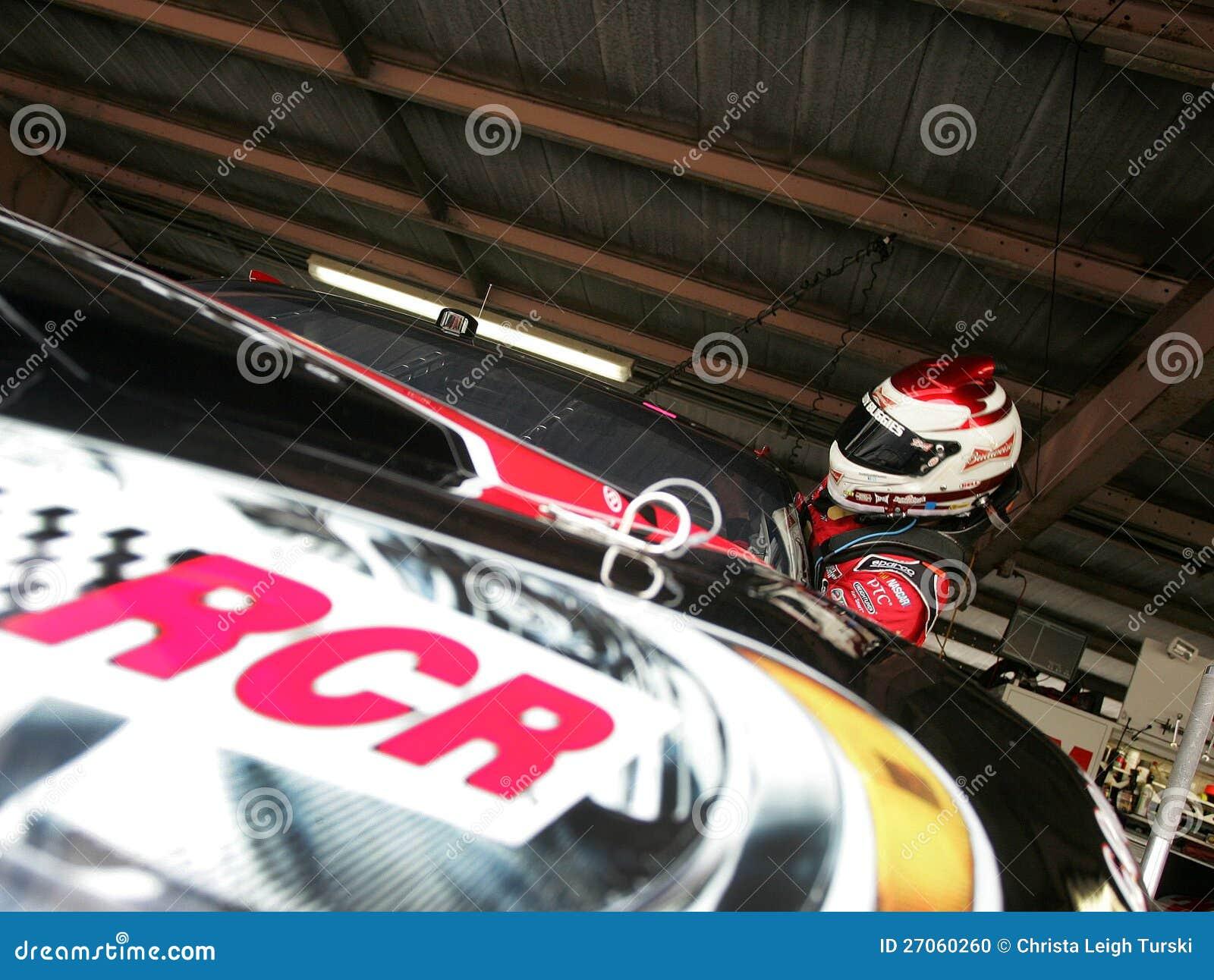 Kevin w garażu terenie Harvick