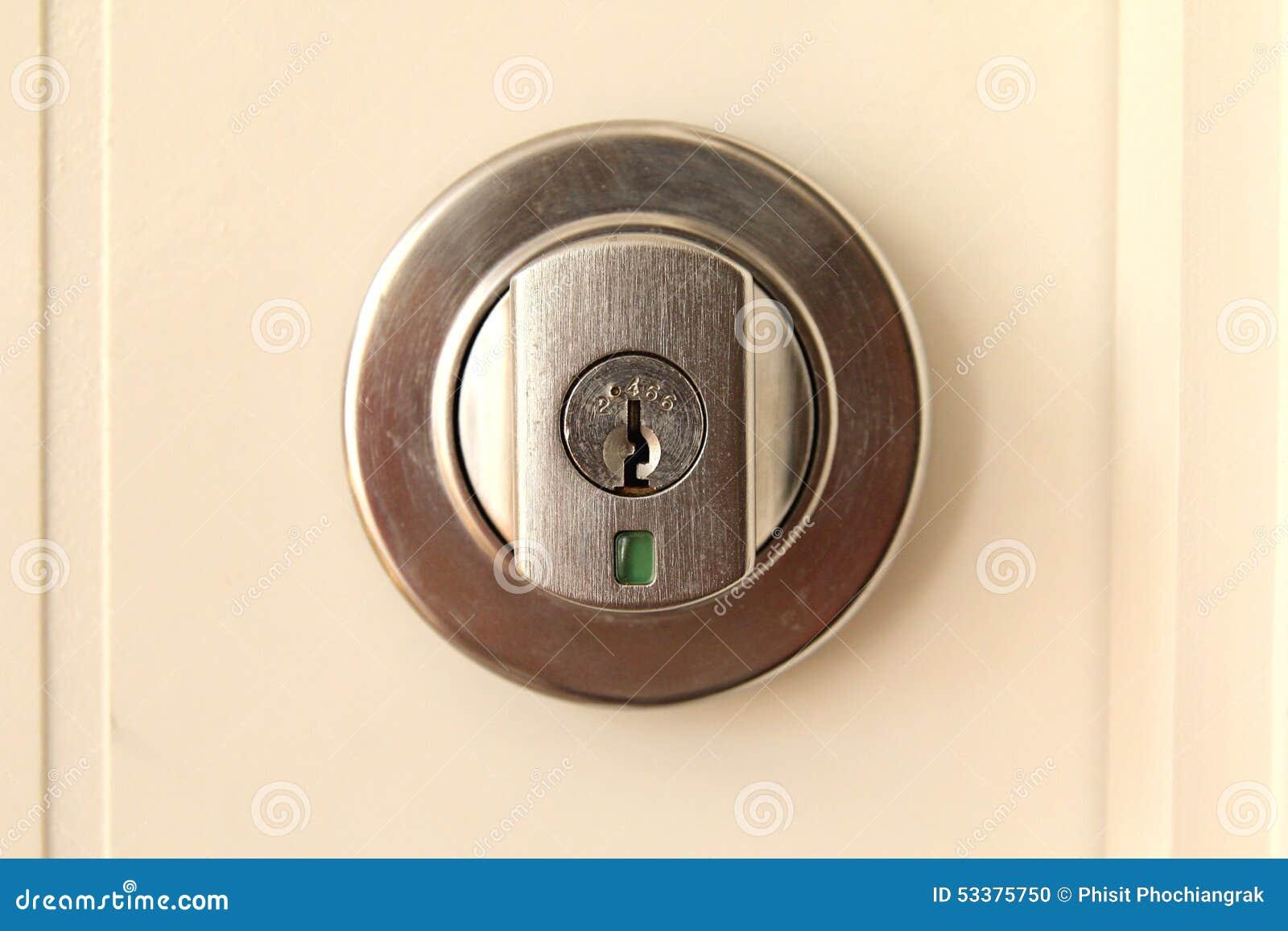 Keyhole door lock & Keyhole door lock stock photo. Image of handle material - 53375750 pezcame.com