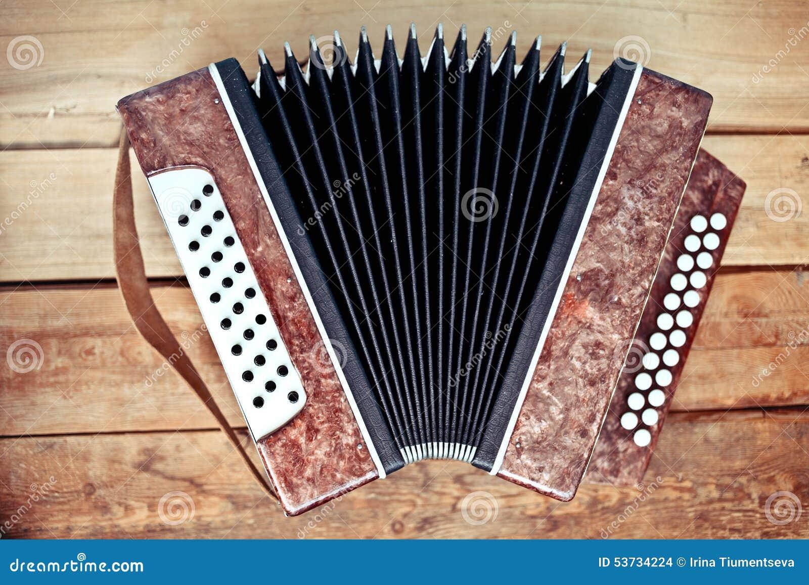 Keys accordion