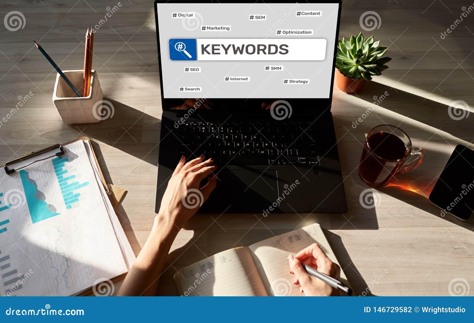 Keywords SEO, otimiza??o do Search Engine e conceito do mercado do Internet na tela