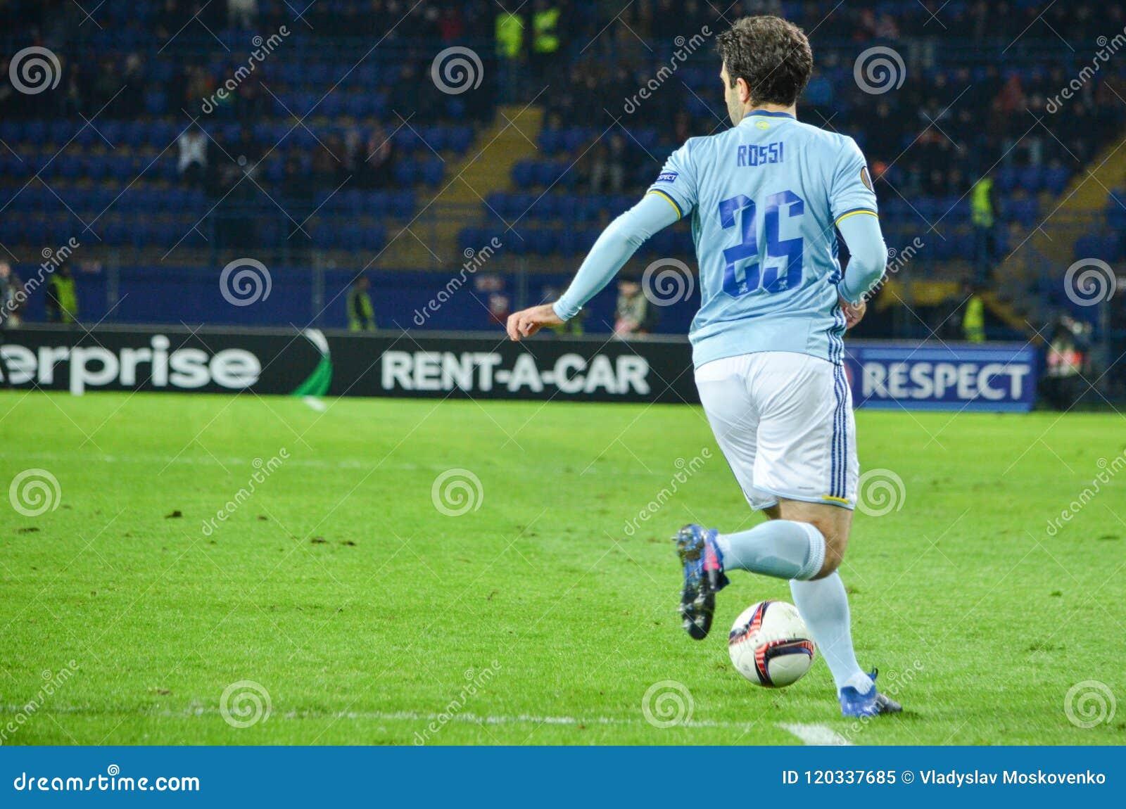 KHARKIV UKRAINA, FEB, - 23: Giuseppe Rossi podczas UEFA Europa
