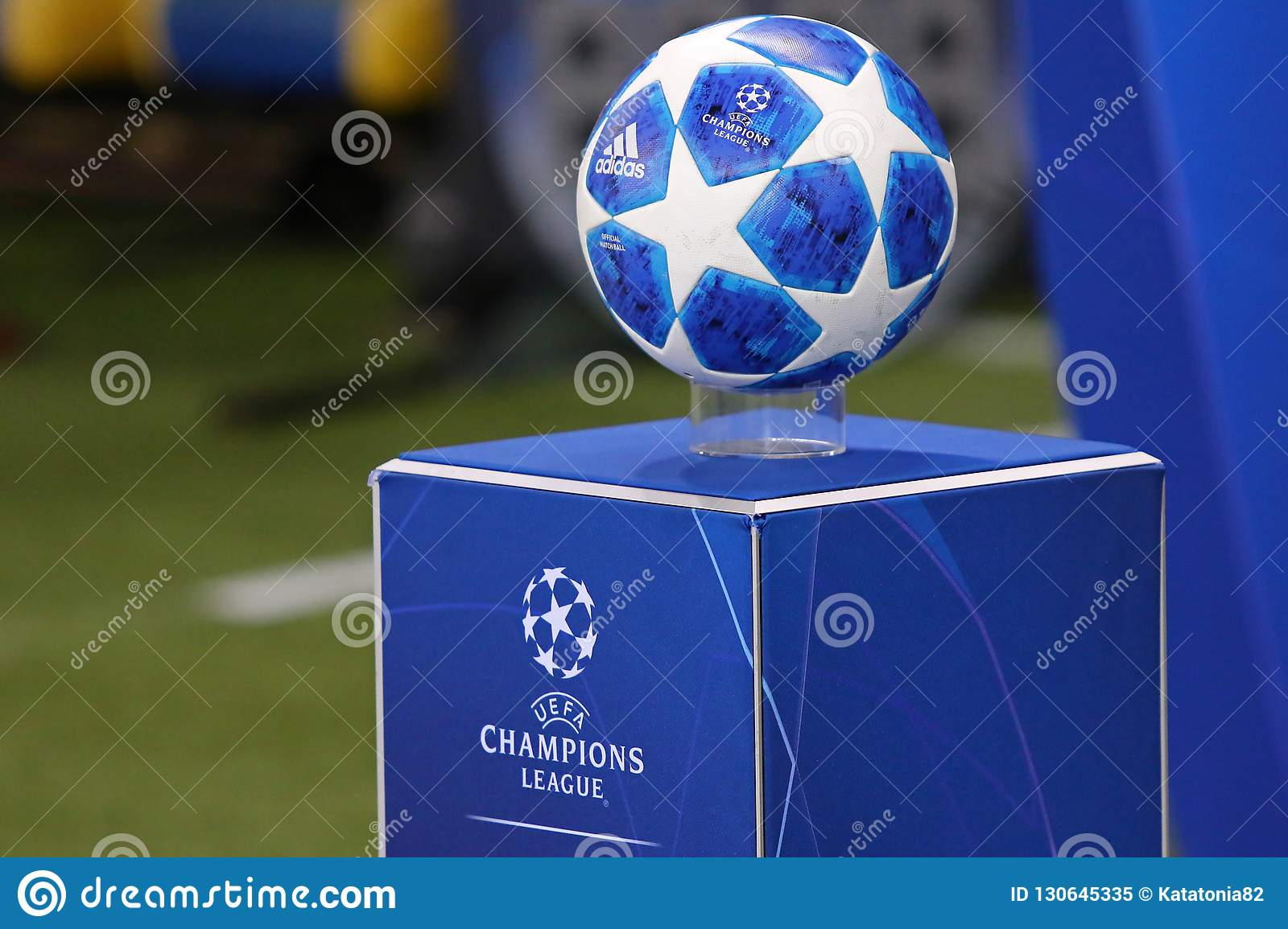 official uefa champions league 2018 19 match ball editorial image image of kick matchball 130645335 https www dreamstime com kharkiv ukraine october official uefa champions league match ball pedestal uefa champions league game shakhtar image130645335