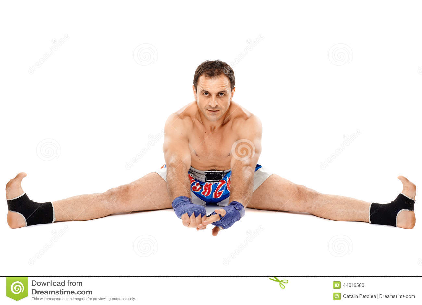 Kickbox-Kämpferausdehnen