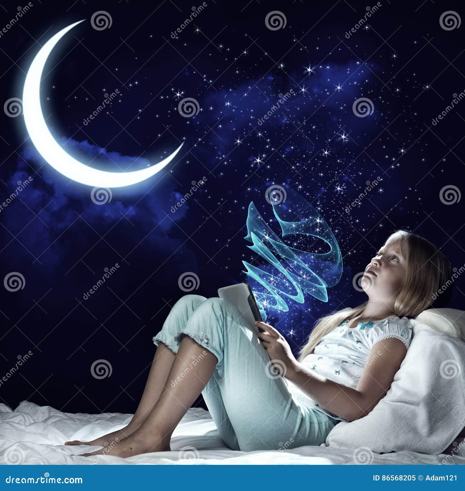 Kids at night with moon royalty free stock photography image - Royalty Free Stock Photo Kid Girl Before Sleep Stock Photo