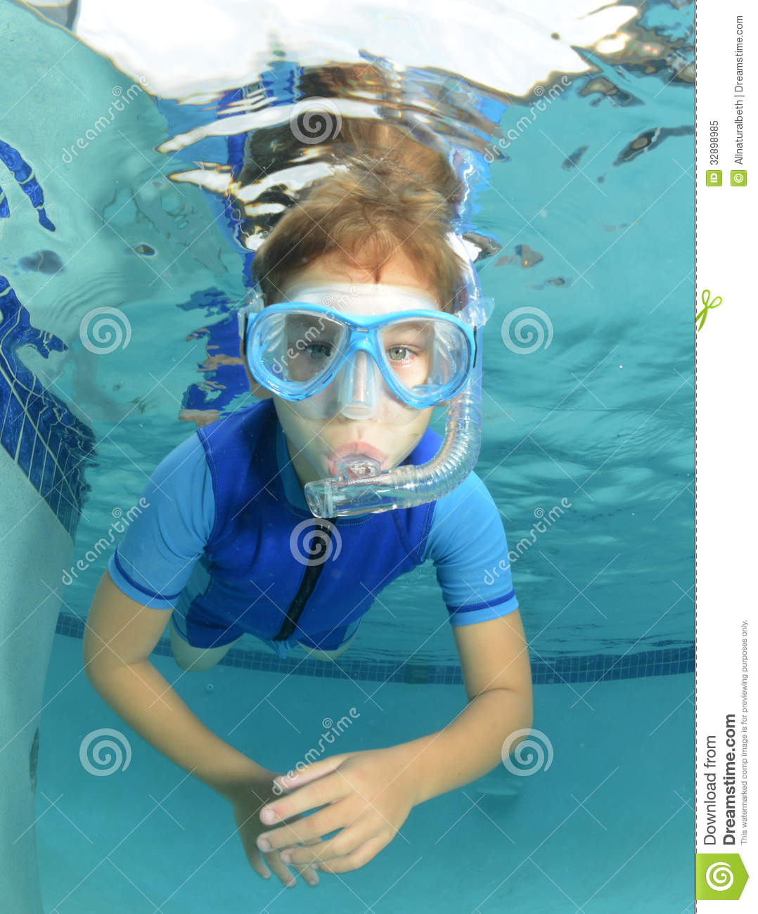 Kid Underwater In Pool Stock Image Image Of Action Leisure 32898985