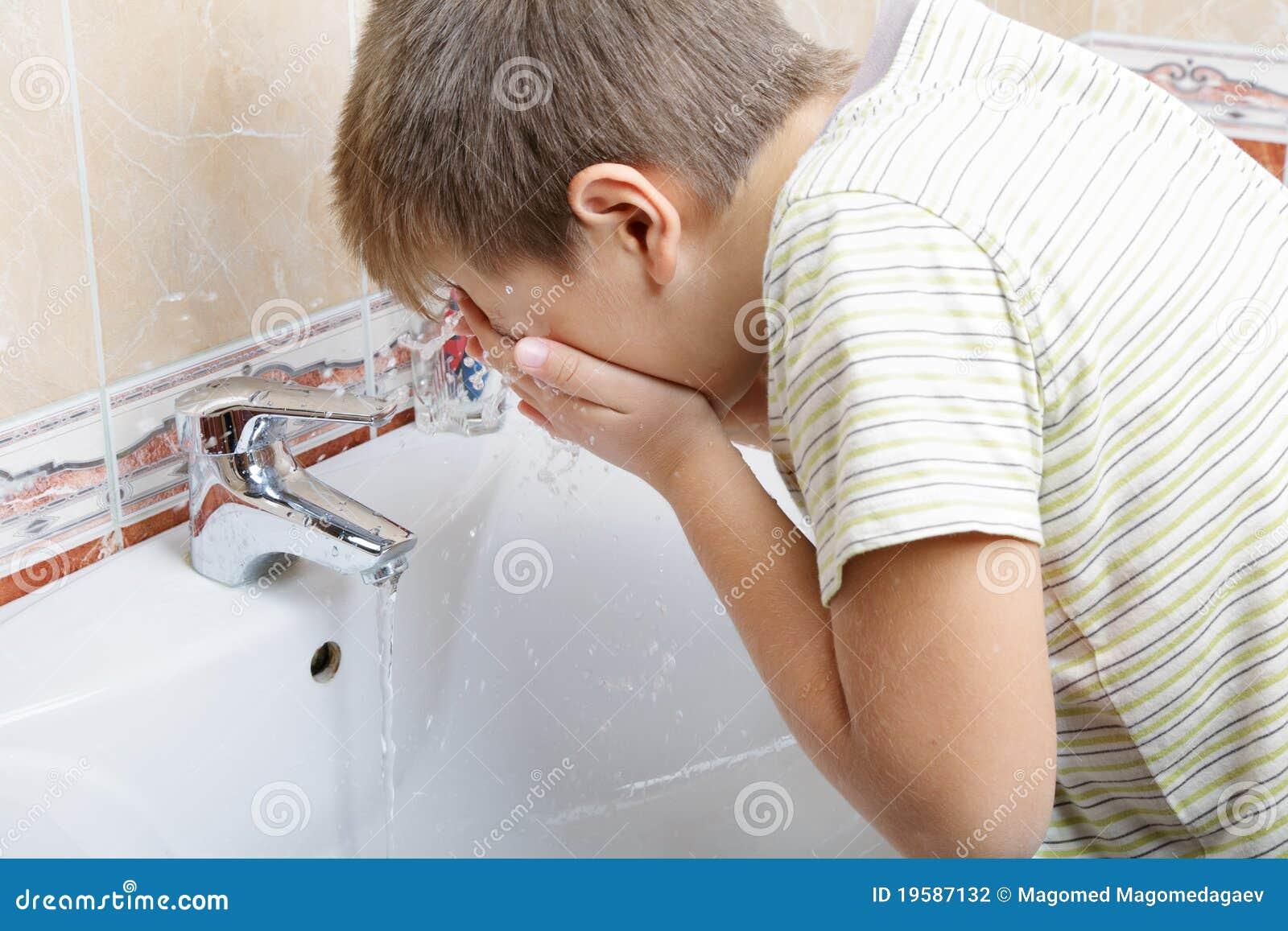 Kid Washing Face Stock Photography Image 19587132