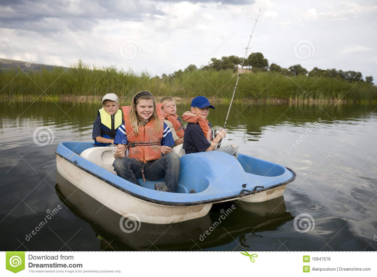 Kids In Boat Royalty Free Stock Image - Image: 10847576