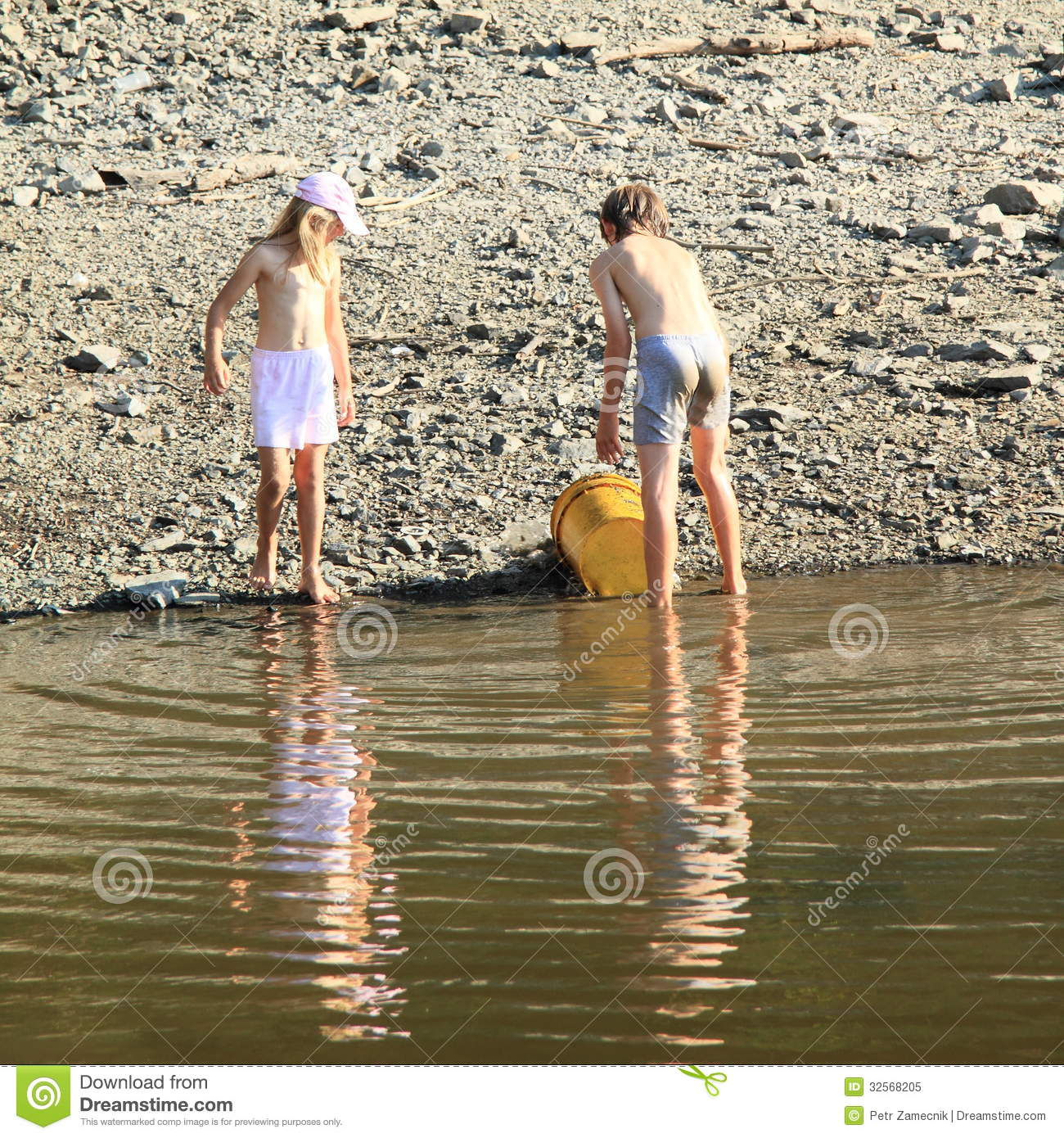 Kids Cleaning A Lake Royalty Free Stock Photo Image