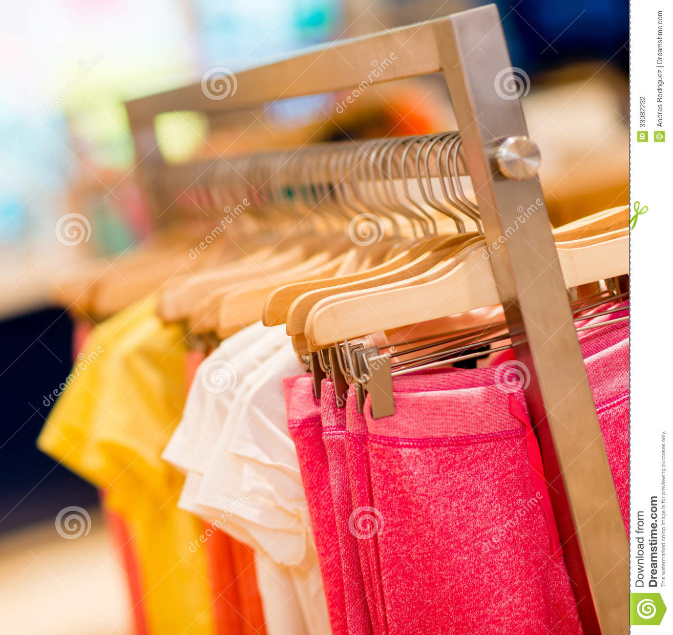 Clothing stores online Starting a retail clothing store