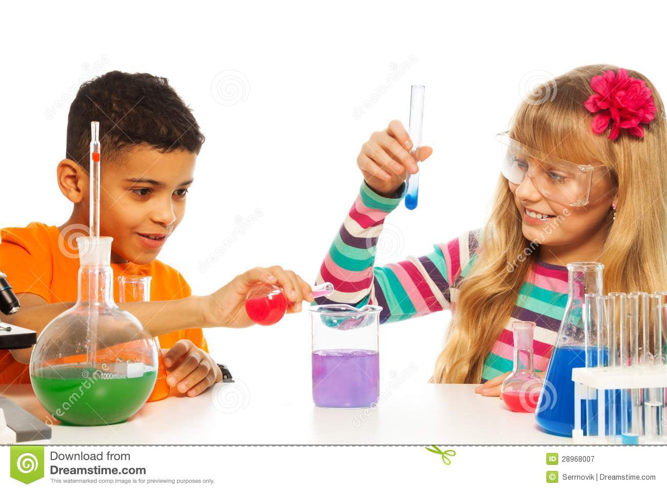 Http Www Dreamstime Com Royalty Free Stock Photography Kids Experimenting Chemistry Image28968007