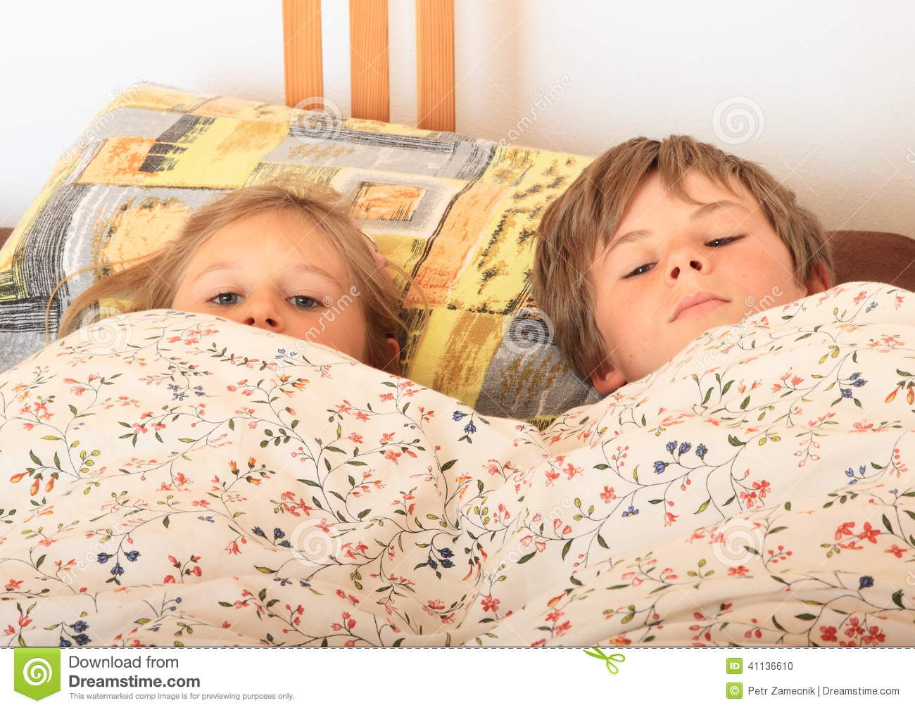 Kid going to bed for Boys and girls in bed