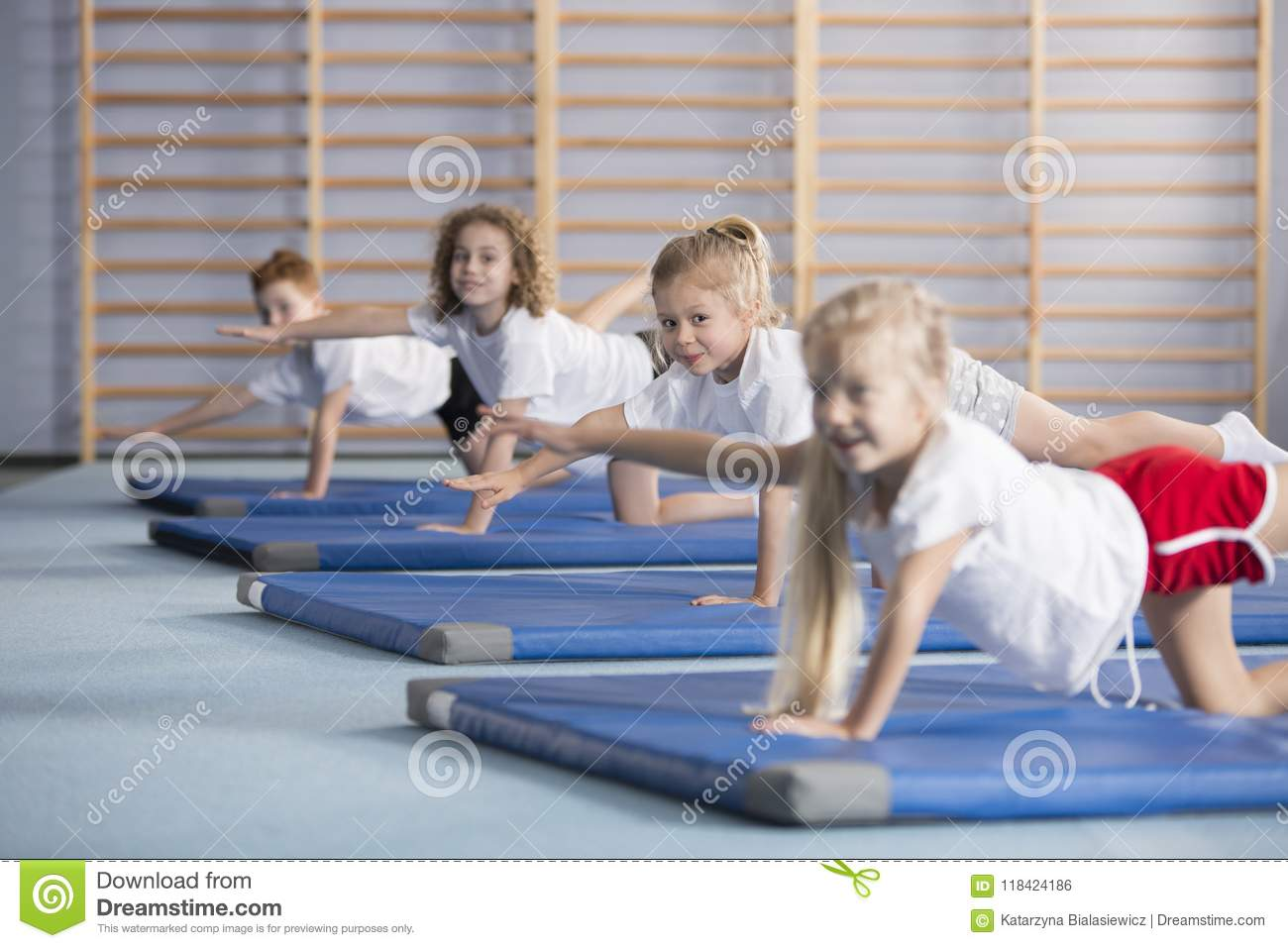 Kids improving coordination and balance at school