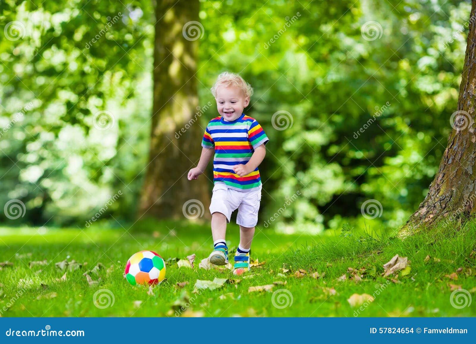 sport football happy kids play better