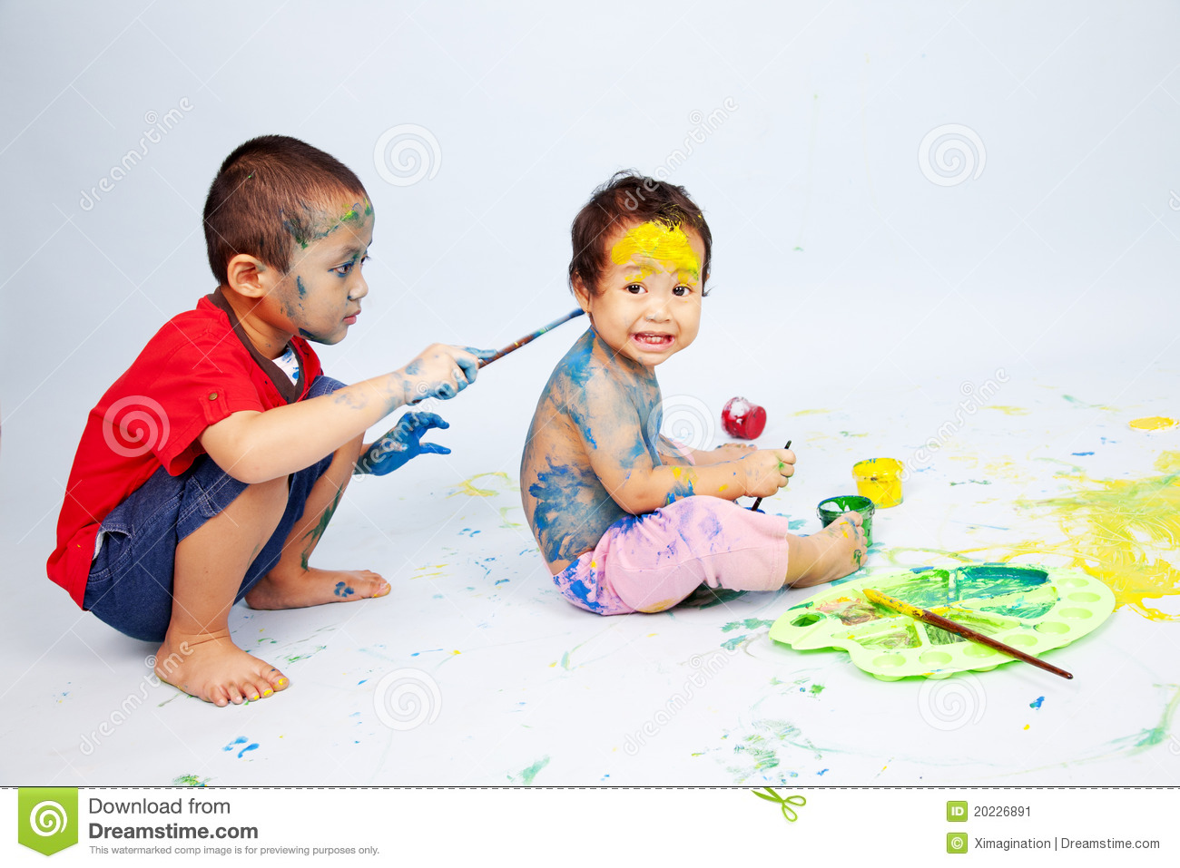 kids playing with paint stock image - Pictures For Kids To Paint