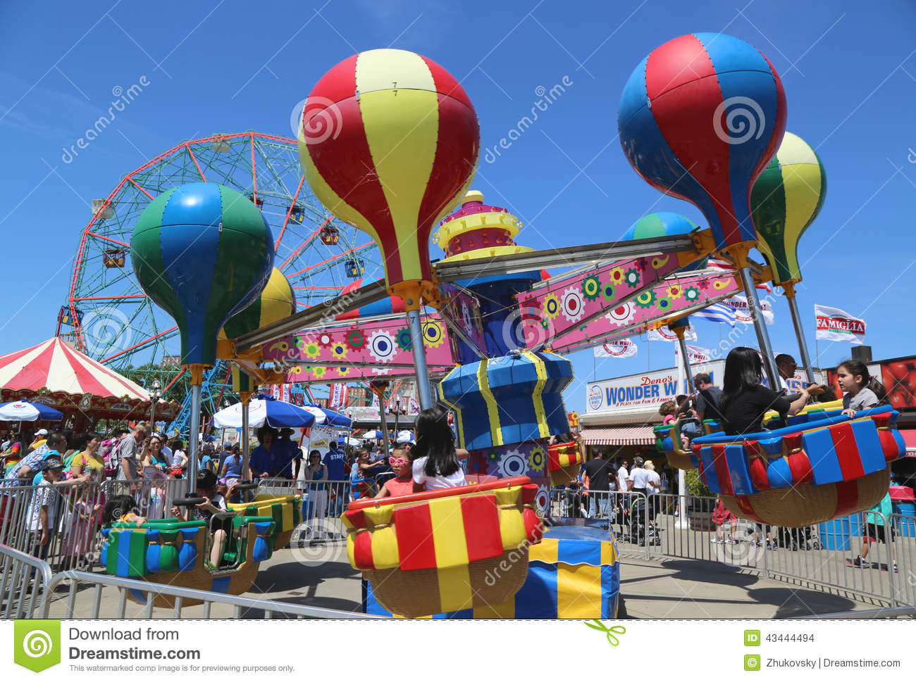 Kids Ride At Coney Island Luna Park Editorial Stock Image