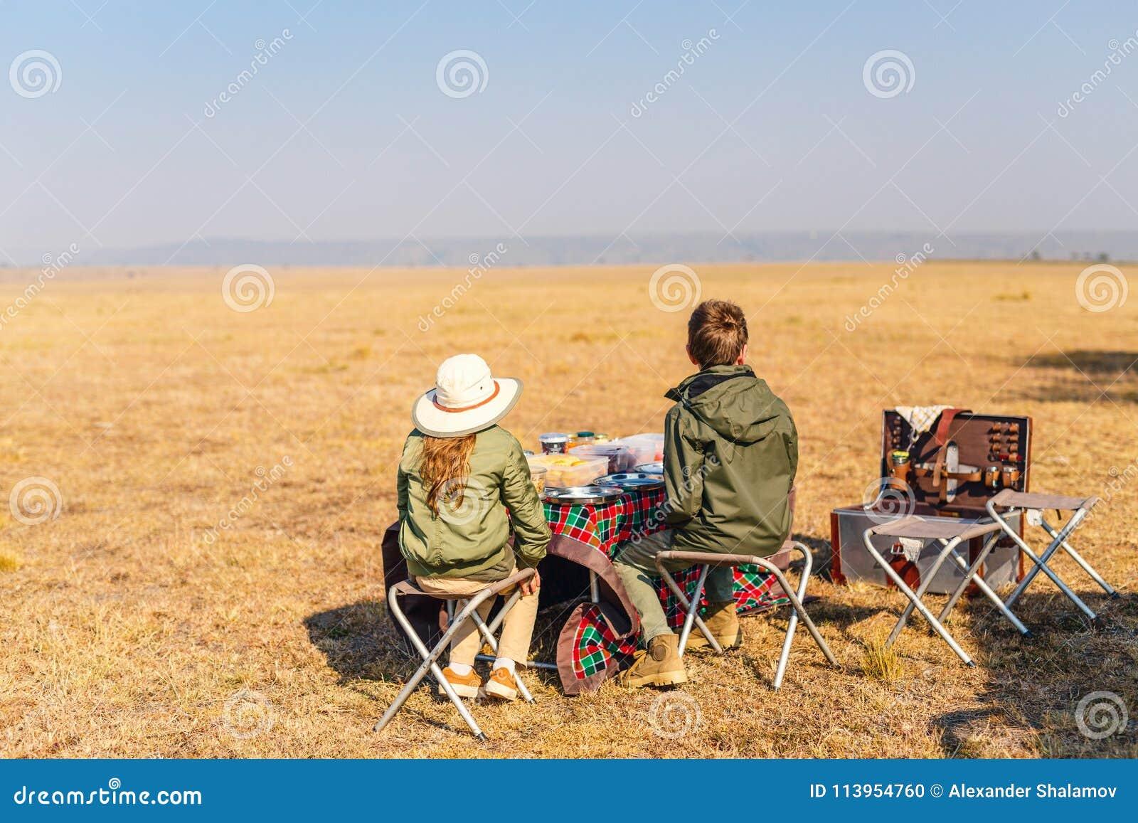 Kids at safari breakfast