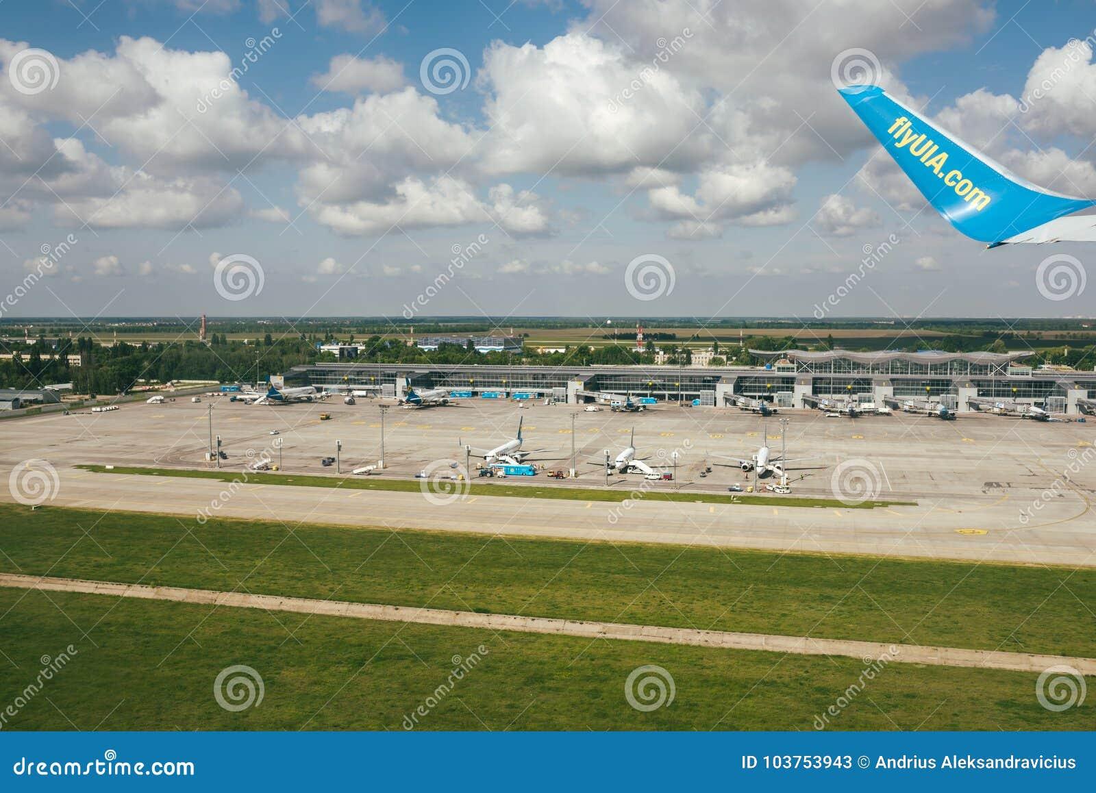 Aeroporto Kiev : Kiev boryspil airport editorial stock photo image of landing