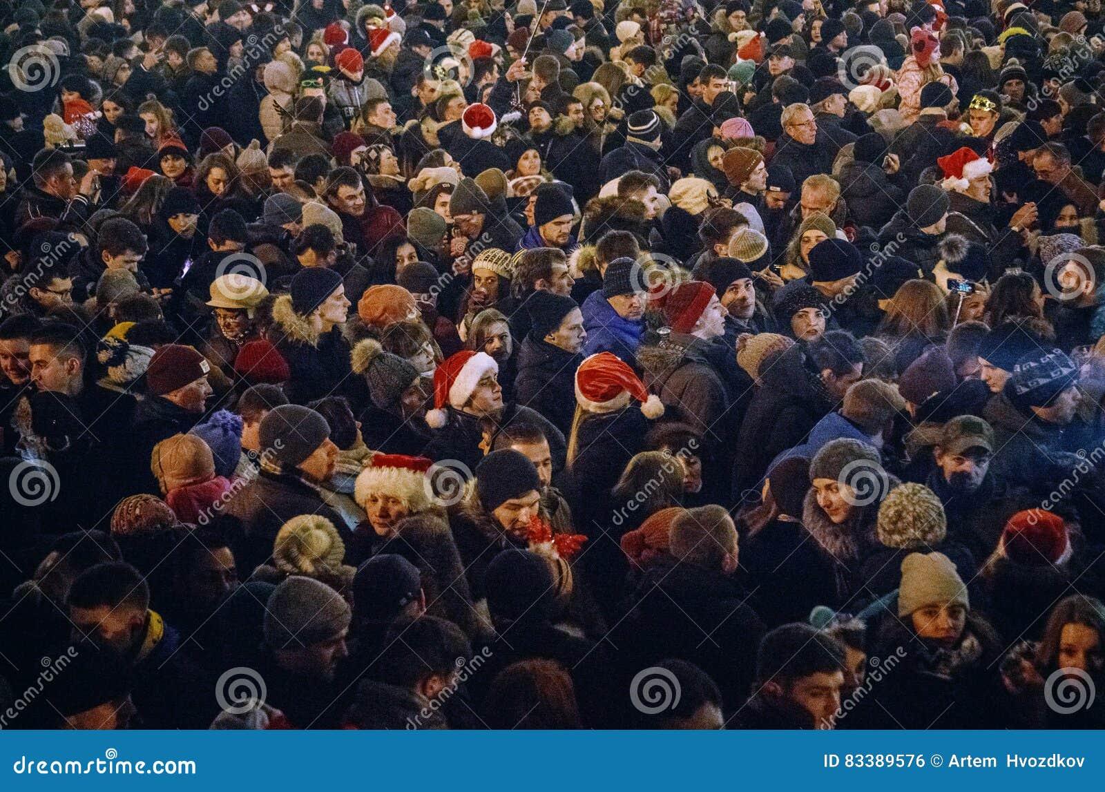 Kiev, Ucraina - 1° gennaio 2017: Quadrato di Sophia La gente sta celebrando il nuovo anno